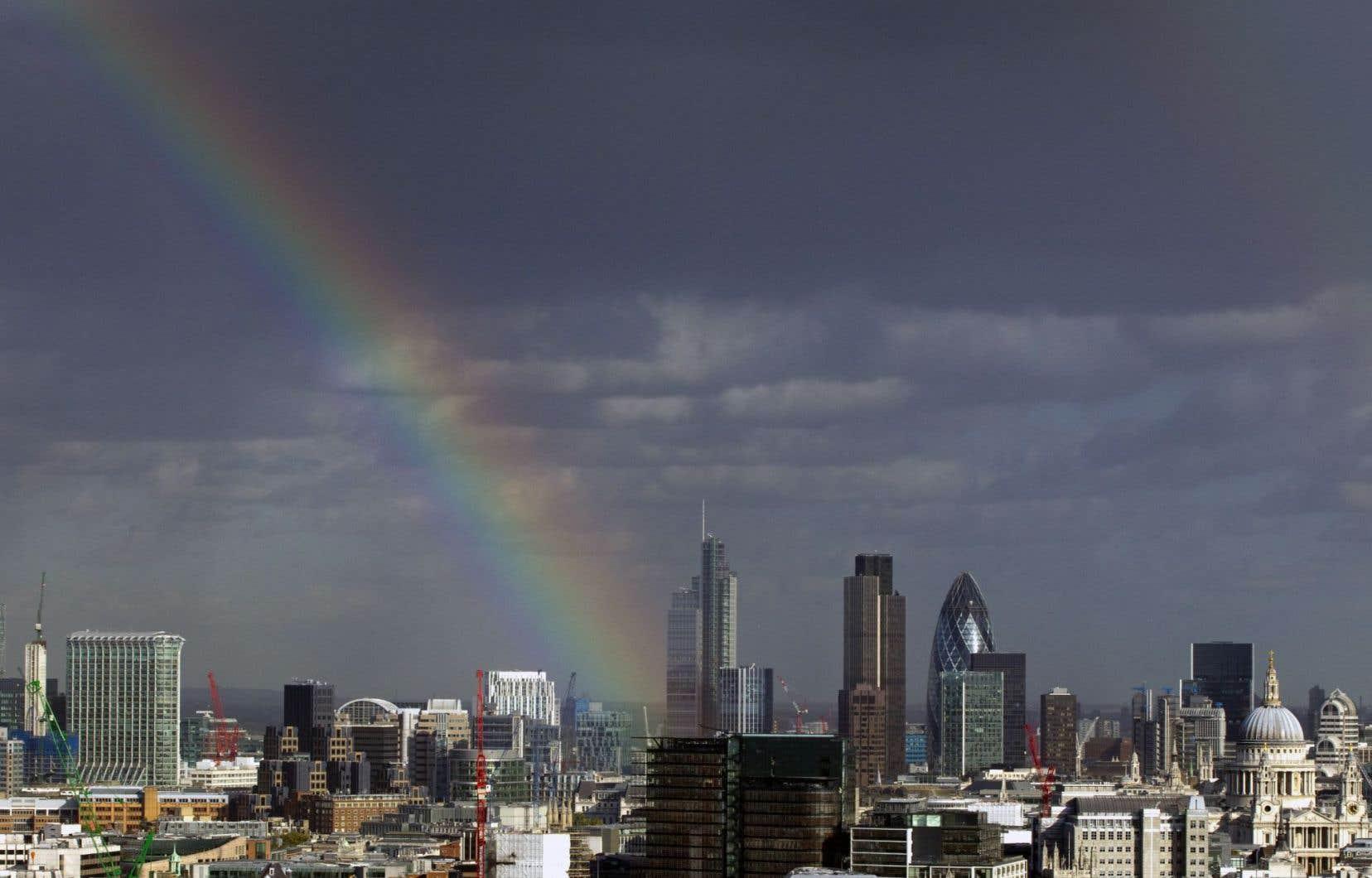 Vue de Londres et de son secteur financier, lequel a contribué à la bonne performance économique du pays en 2014.