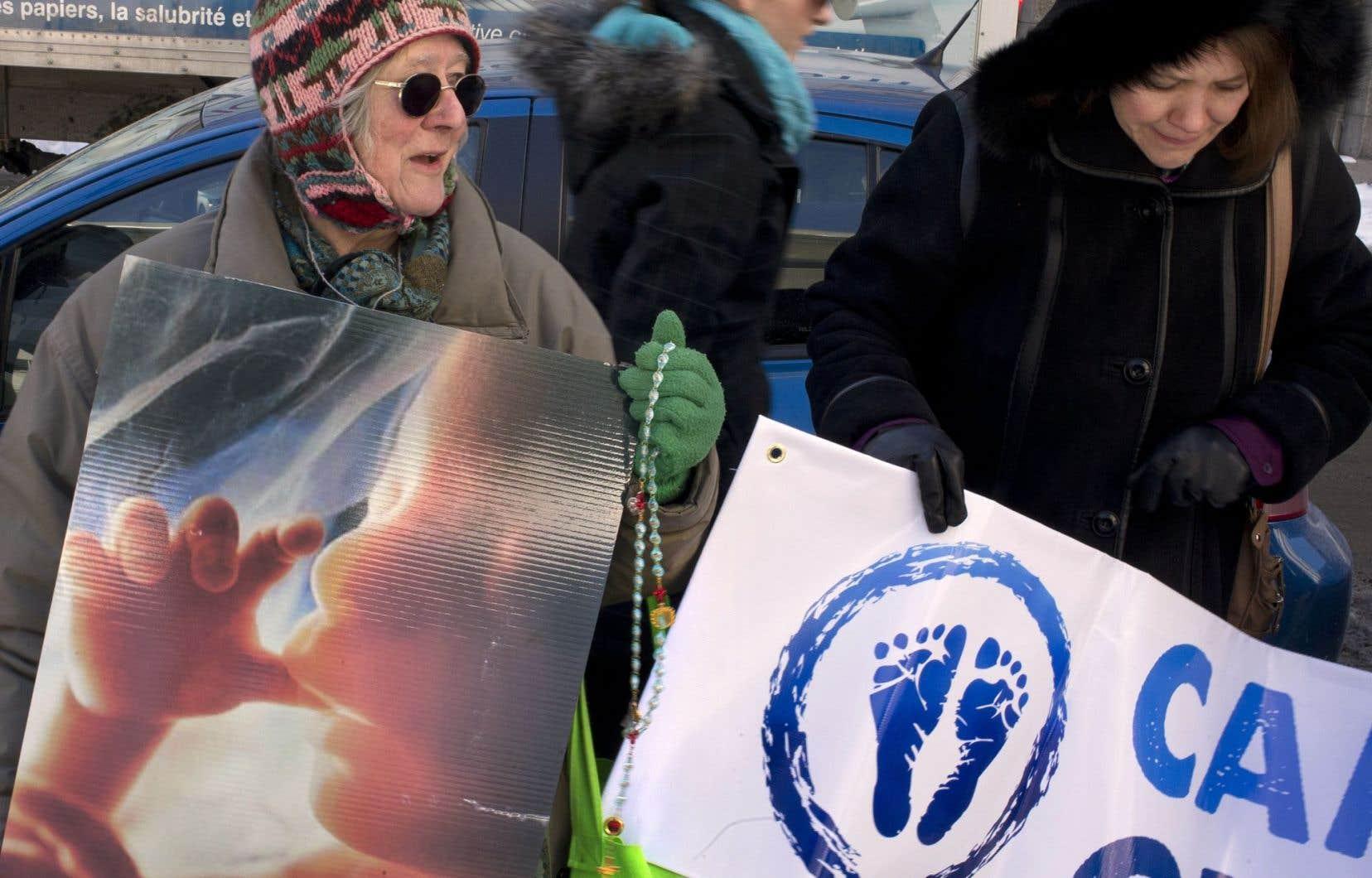 Les groupes pro-vie seraient derrière 22 centres d'aide à la grossesse au Québec.