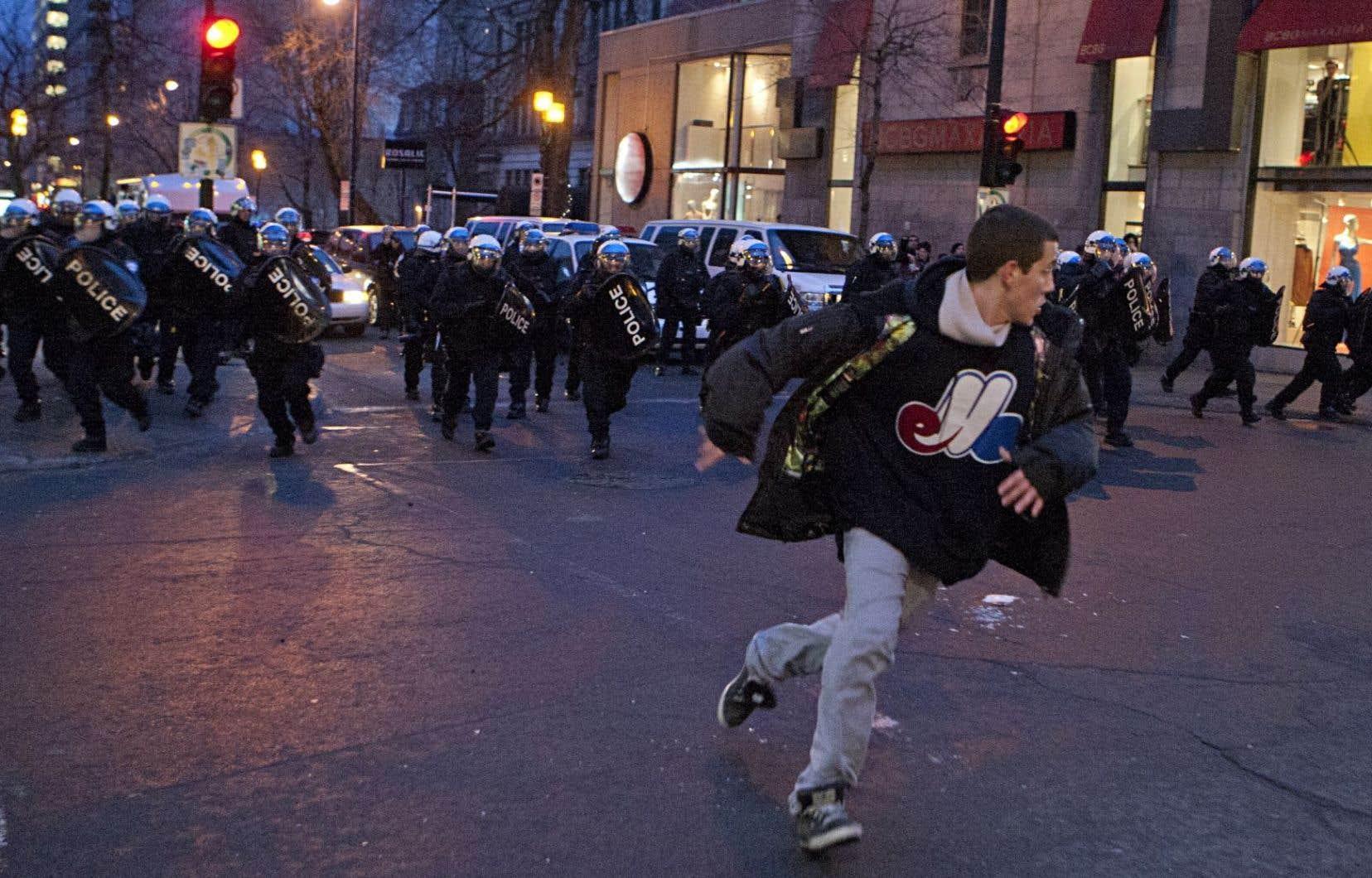 Manifestation contre la brutalité policière à Montréal