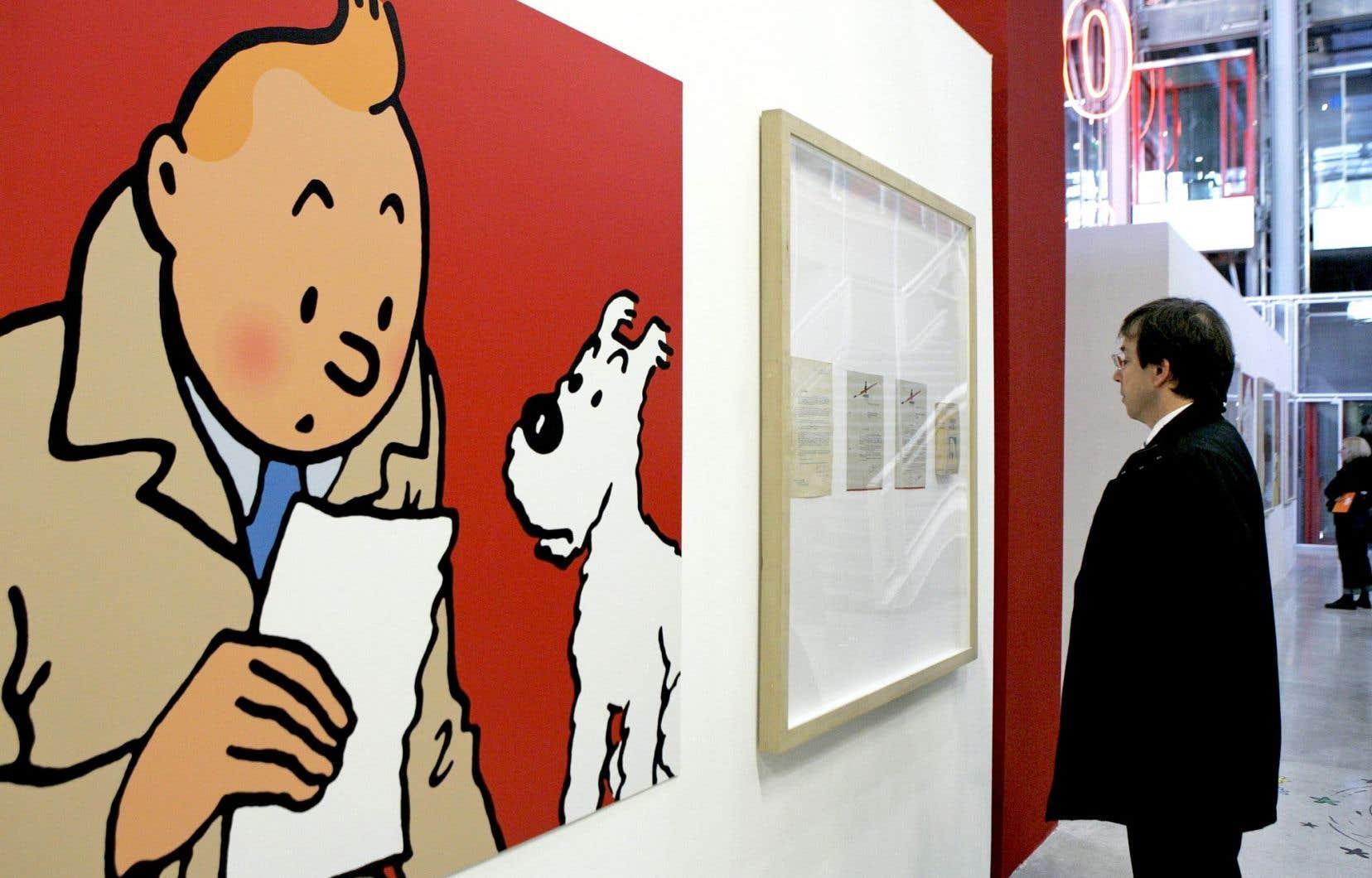 Un visiteur au Centre Georges-Pompidou, lors d'une exposition sur Tintin en 2006
