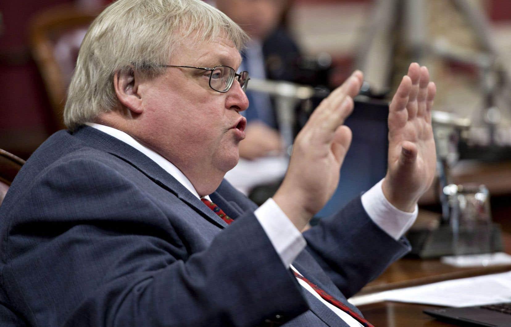 Le ministre Gaétan Barrette reproche depuis des semaines à l'opposition péquiste de ralentir l'étude du projet de loi.