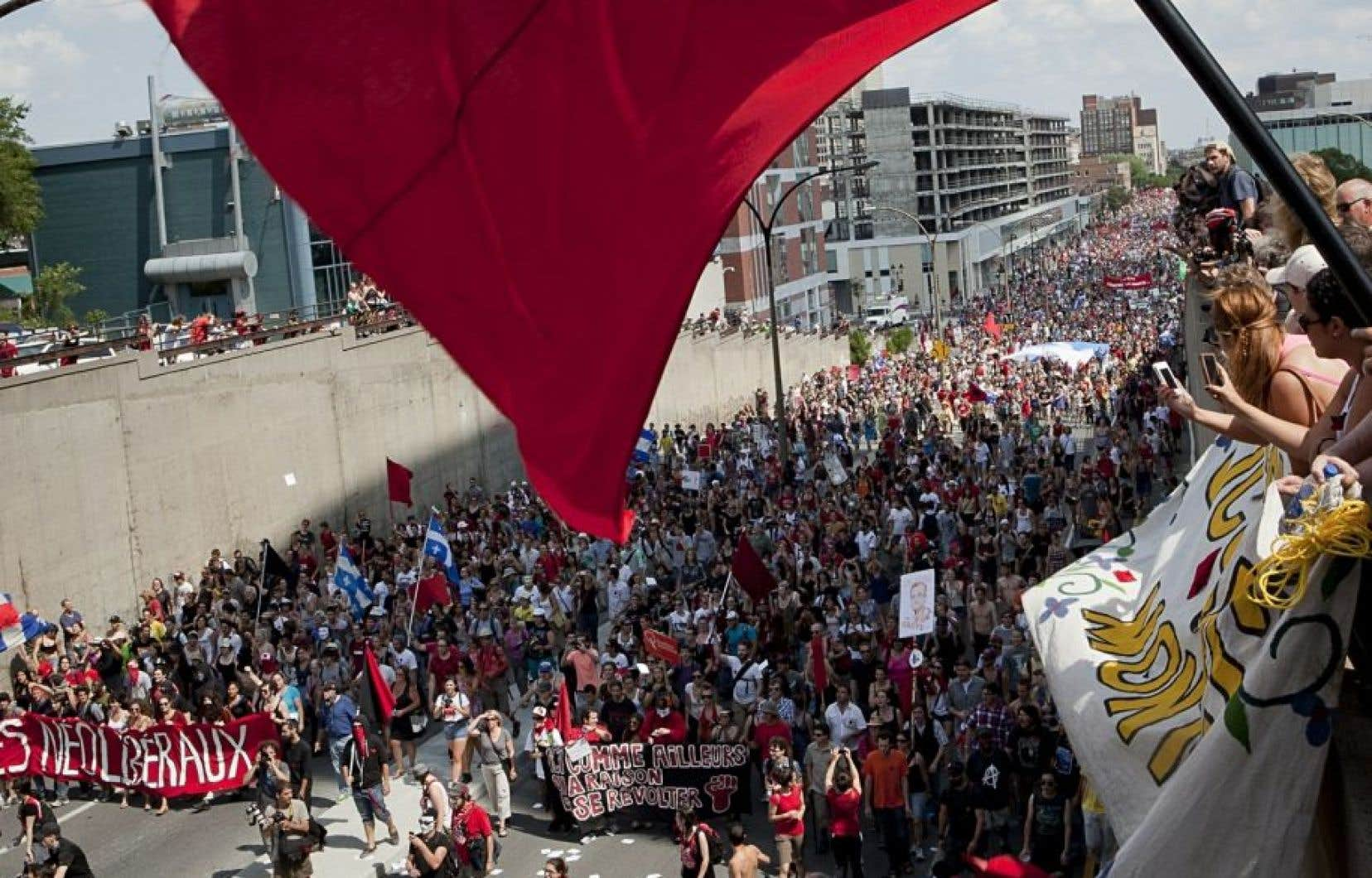 Des étudiants manifestent, au printemps 2012.