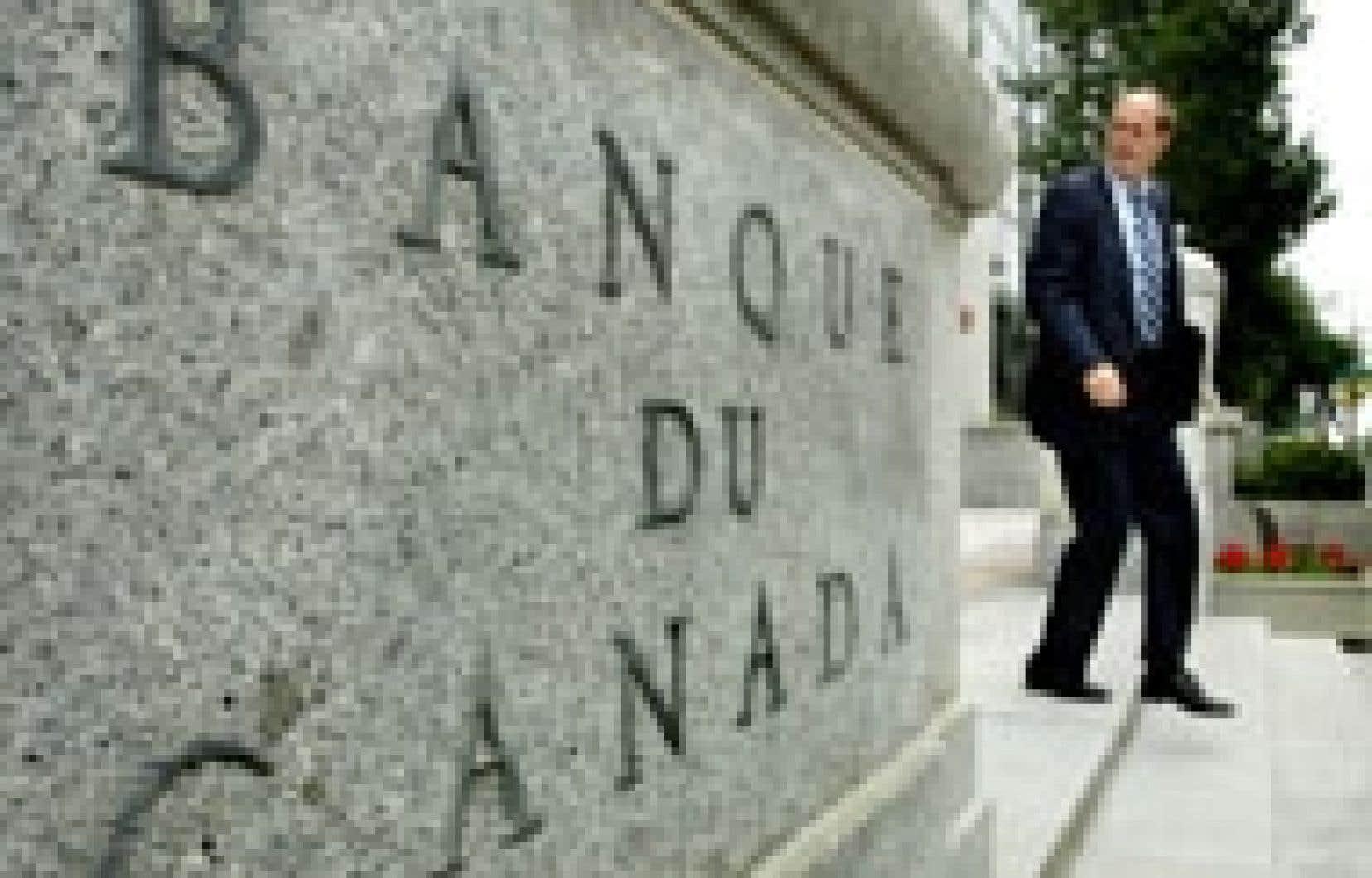 Le gouverneur de la Banque du Canada, David Dodge, a enjoint au gouvernement de Paul Martin de préserver l'équilibre budgétaire des finances fédérales afin de maintenir la stabilité et la vigueur de l'économie.