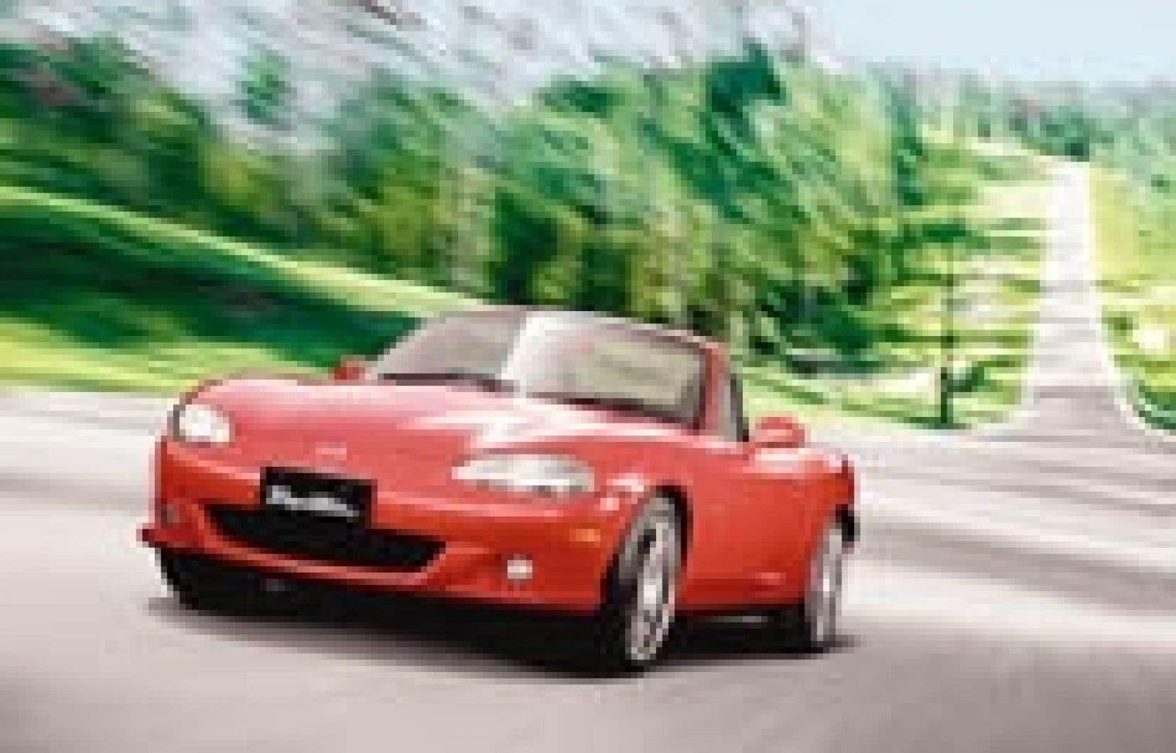L'habitacle de la Miata est le plus exigu des roadsters sur le marché et le fait que le volant ne soit pas réglable ne facilite pas les choses... — Source Mazda Canada