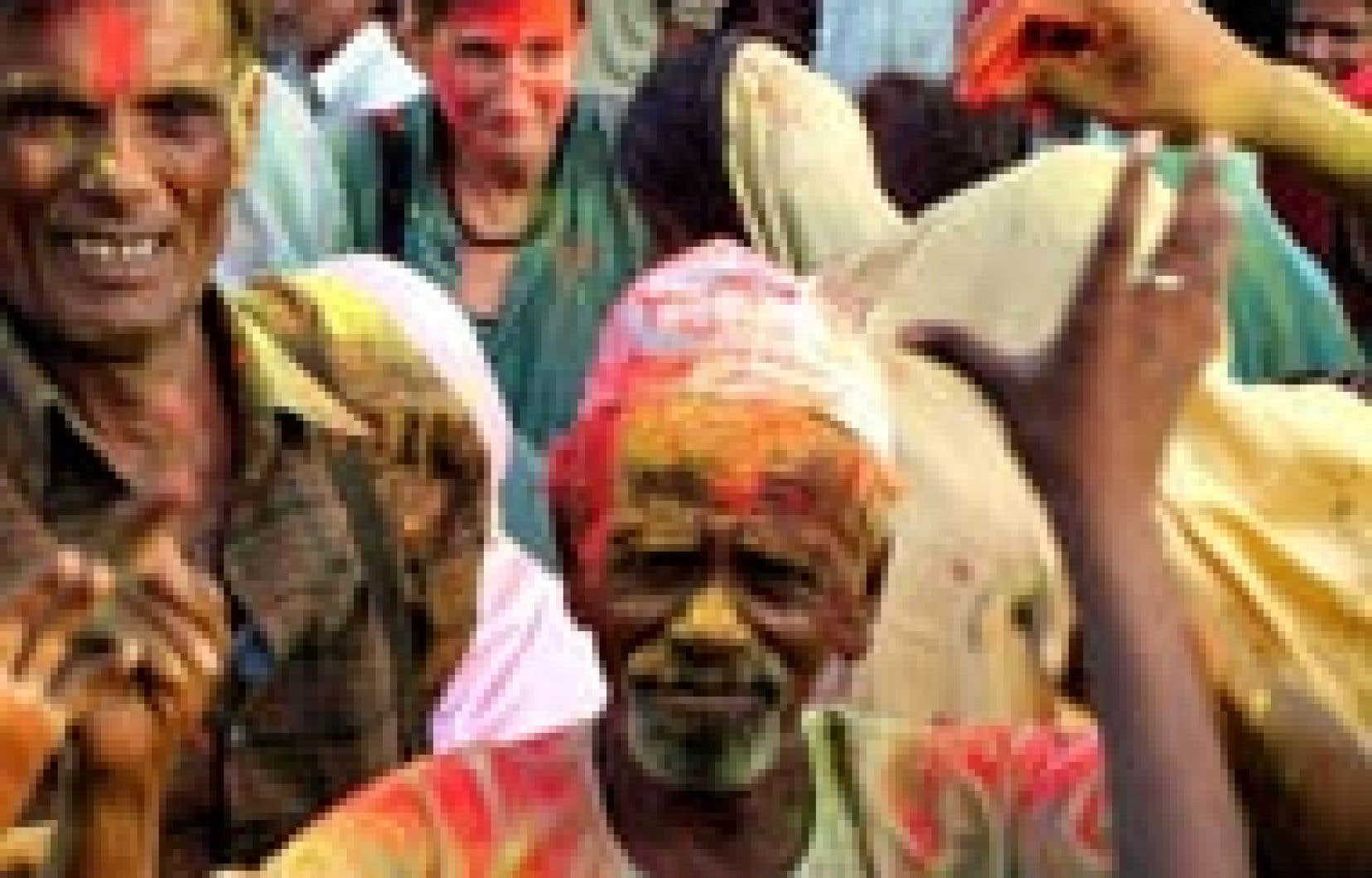 Des victimes de la tragédie de Bhopal, en Inde, ont célébré hier leur victoire près de l'usine de l'Union Carbide, à l'origine, il y a près de vingt ans, d'une fuite de gaz mortelle dans l'environnement.