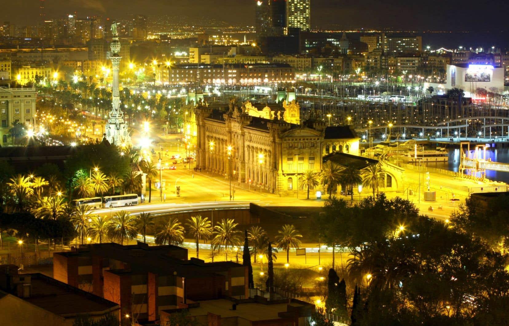 La ville de Barcelone la nuit