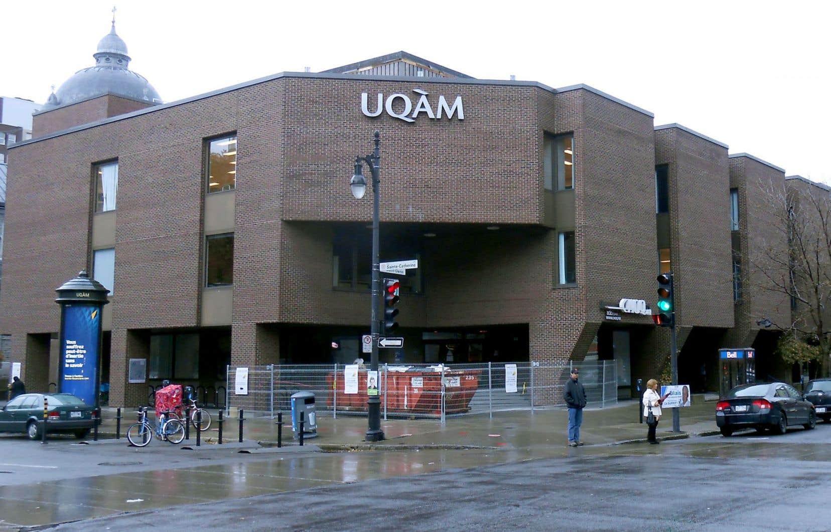 L'étudiant en droit enjoint l'UQAM à respecter son droit d'assister à ses cours et de bénéficier d'un environnement d'apprentissage sain et sécuritaire.