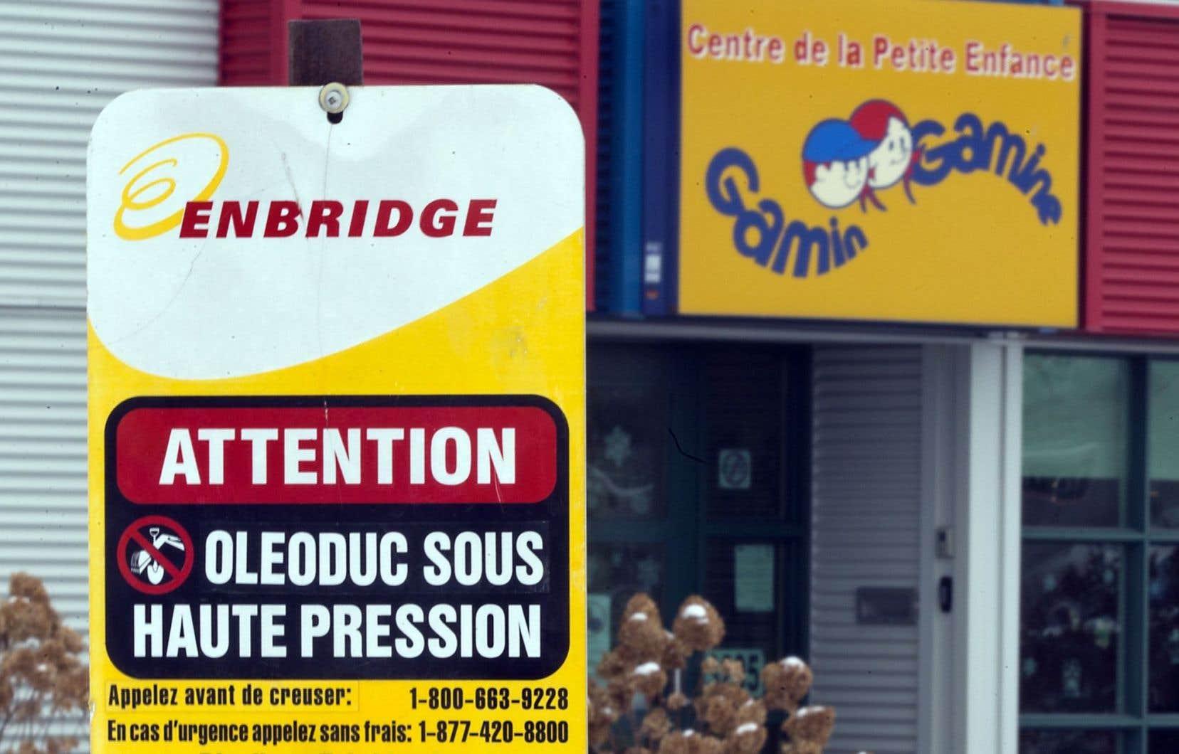 La directrice générale du CPE Gamin Gamine souligne qu'Enbridge n'a jamais pris contact avec l'établissement, qui abrite une clientèle vulnérable âgée de 0 à 5 ans, au cours du processus devant mener à l'inversion du flux dans le pipeline.