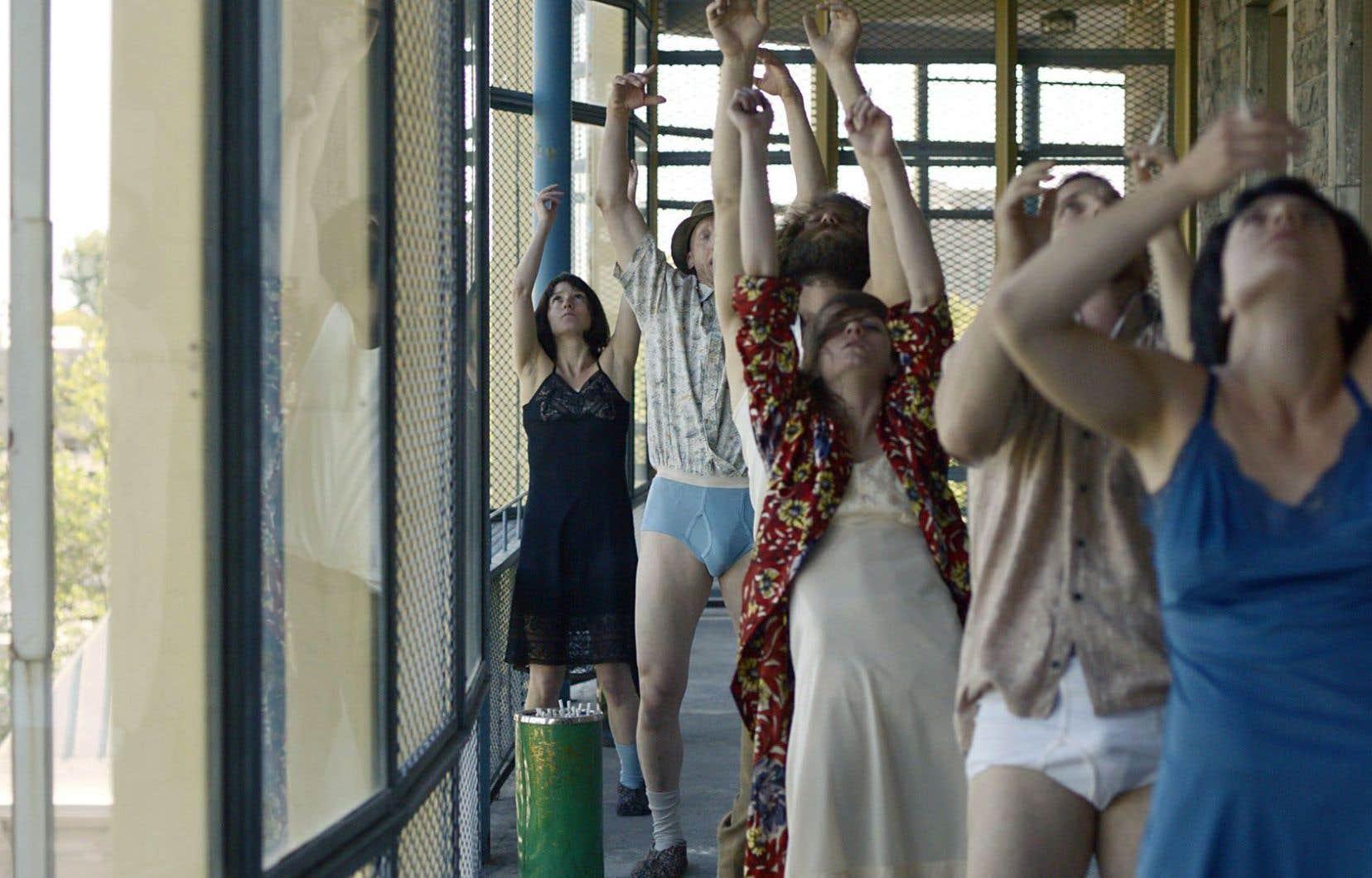 «Une courte histoire de la folie», d'Isabelle Hayeur, propose un survol en danse de l'évolution des traitements de la maladie mentale au Québec.