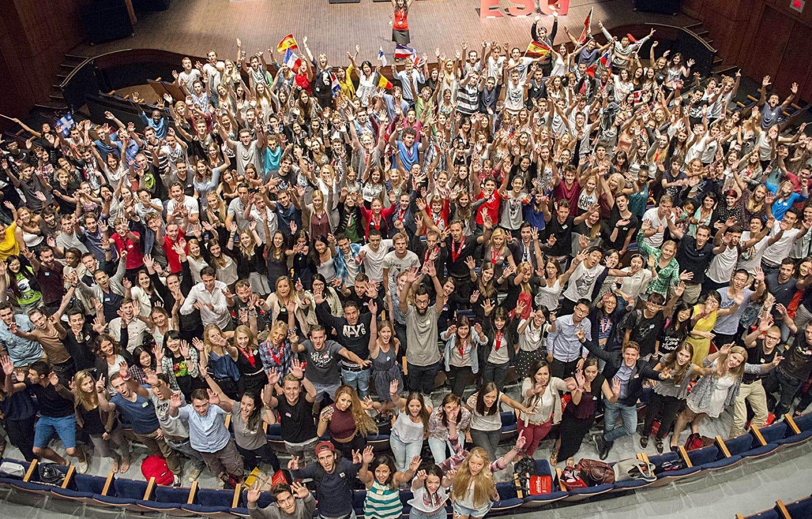 Un groupe d'étudiants étrangers en programme d'échange à l'ESG, arrivés en août 2014<br />
