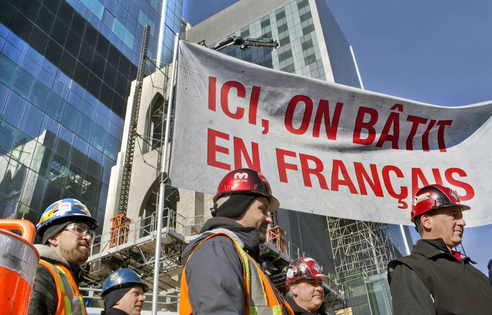 Les ouvriers de la FTQ ont dénoncé l'omniprésence de l'anglais sur le chantier de construction du nouveau CHUM.