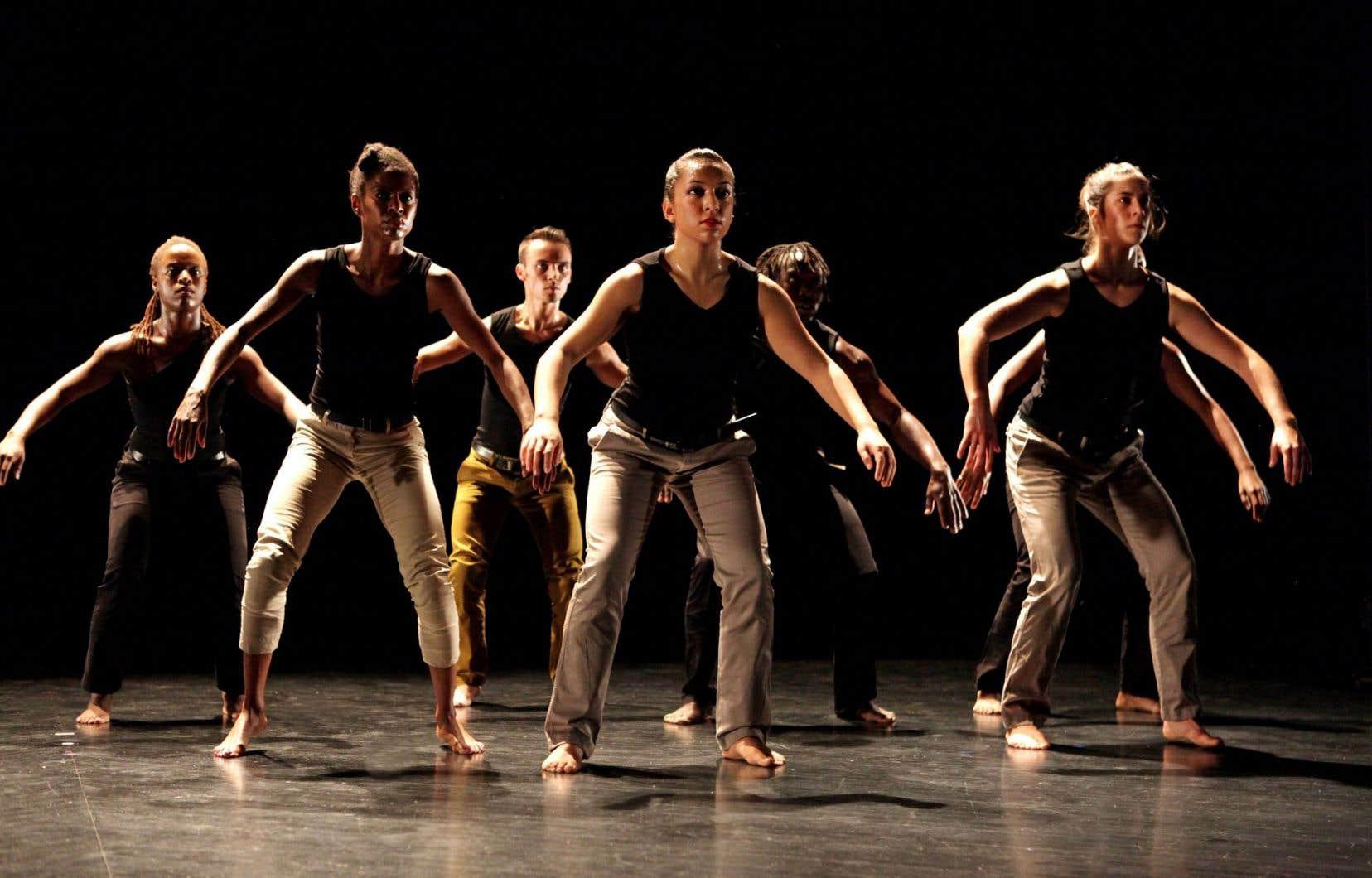 Mozongi, une chorégraphie créée en 1997, revue et augmentée (en matière de danseurs) en février2014 à la Société des arts technologiques