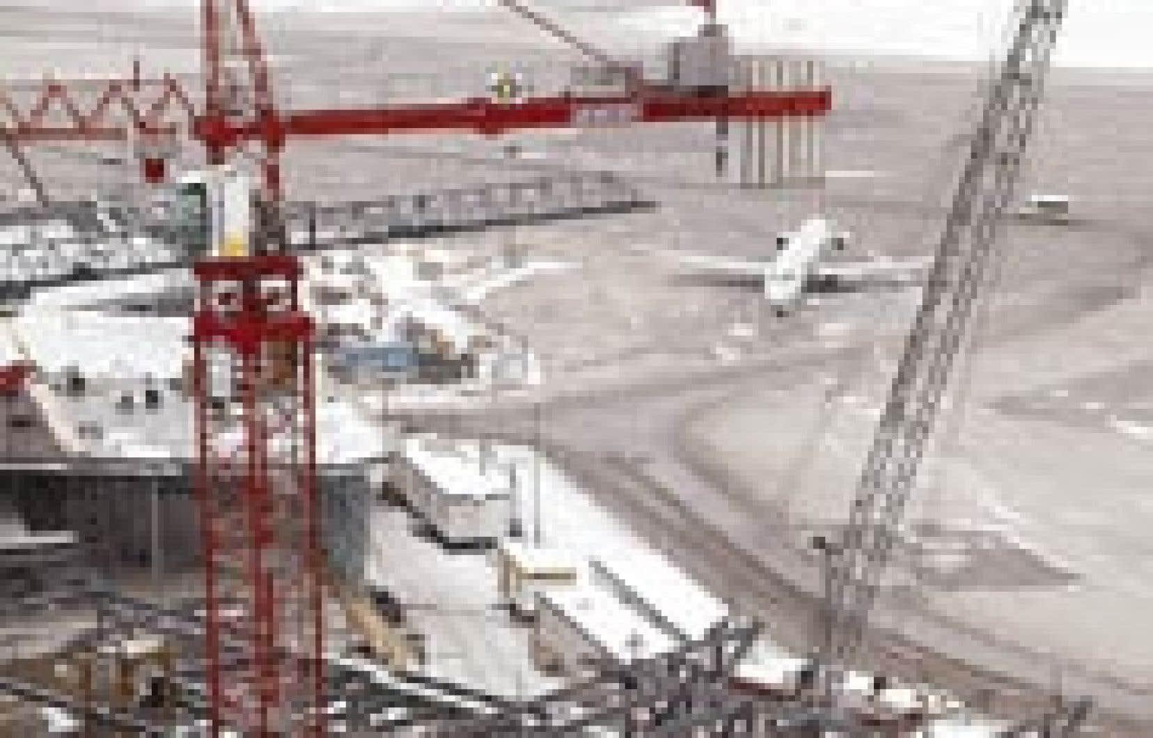 La phase II des travaux à l'aéroport de Dorval est bel et bien en marche.