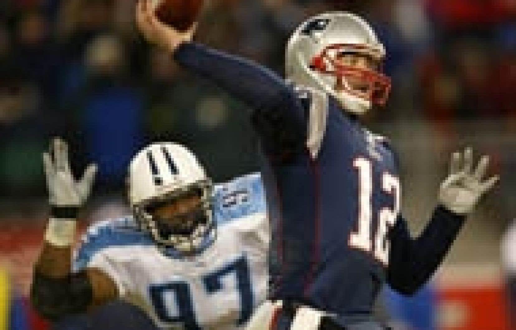 Le quart-arrière des Patriots, Tom Brady, craint davantage le vent que le froid pour le match de dimanche prochain.