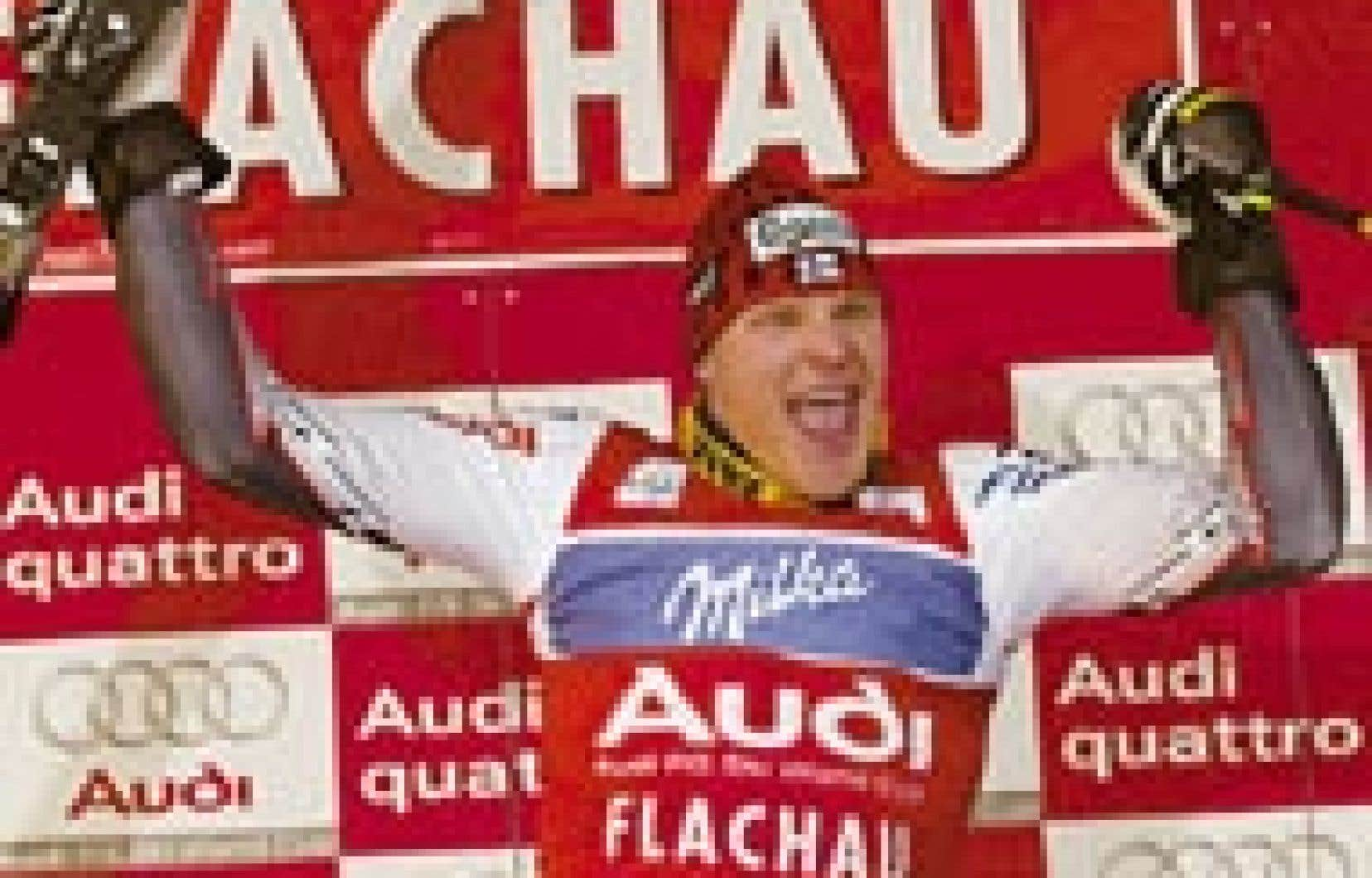 Kalle Palander semblait fort heureux de sa victoire au slalom de Flachau, en Autriche.