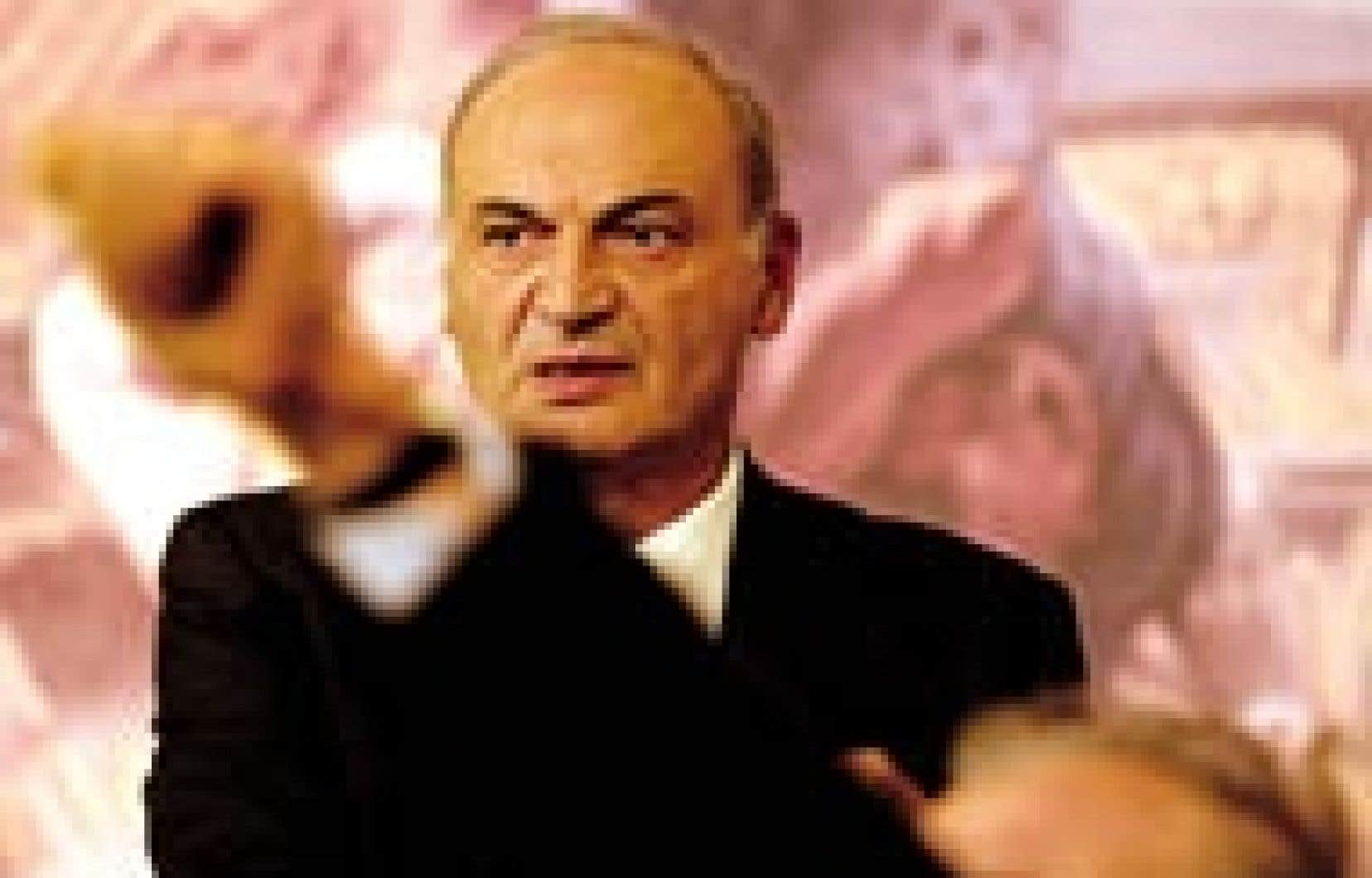 Le ministre italien de l'Industrie, Antonio Marzano, lors d'une conférence de presse à propos de la crise Parmalat.