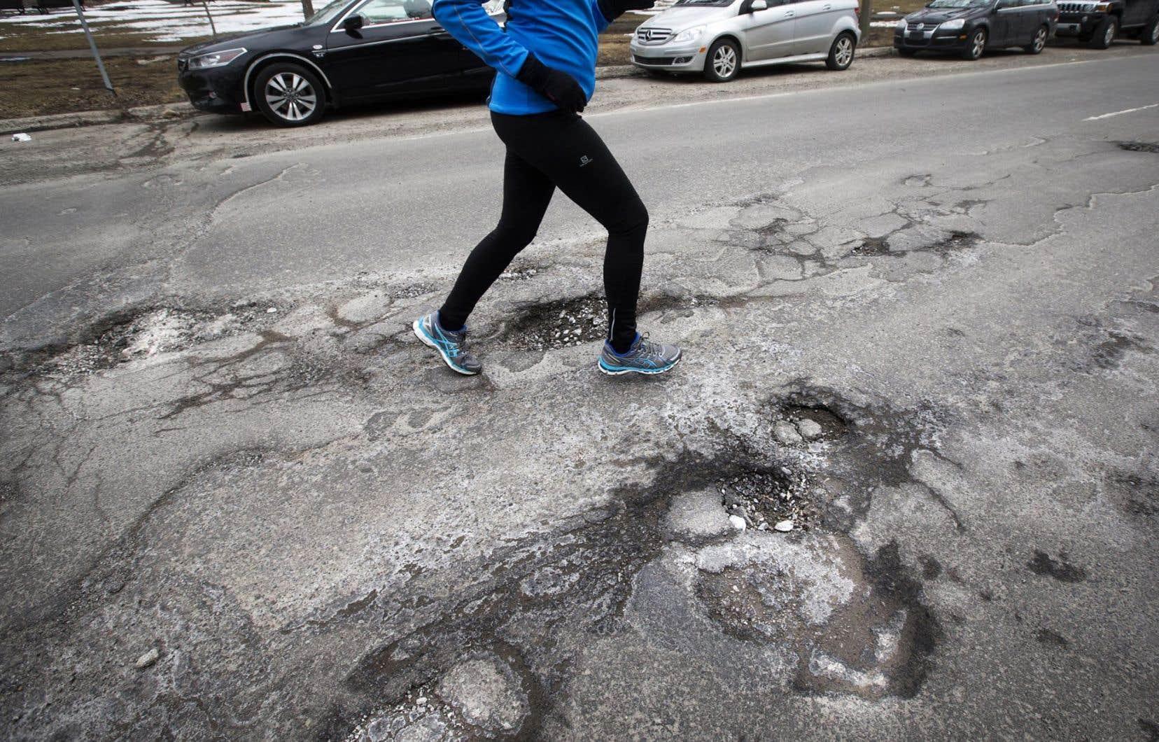 Pas moins de 21 % des 30000 kilomètres de routes nationales québécoises se trouvent dans un «très mauvais» état.