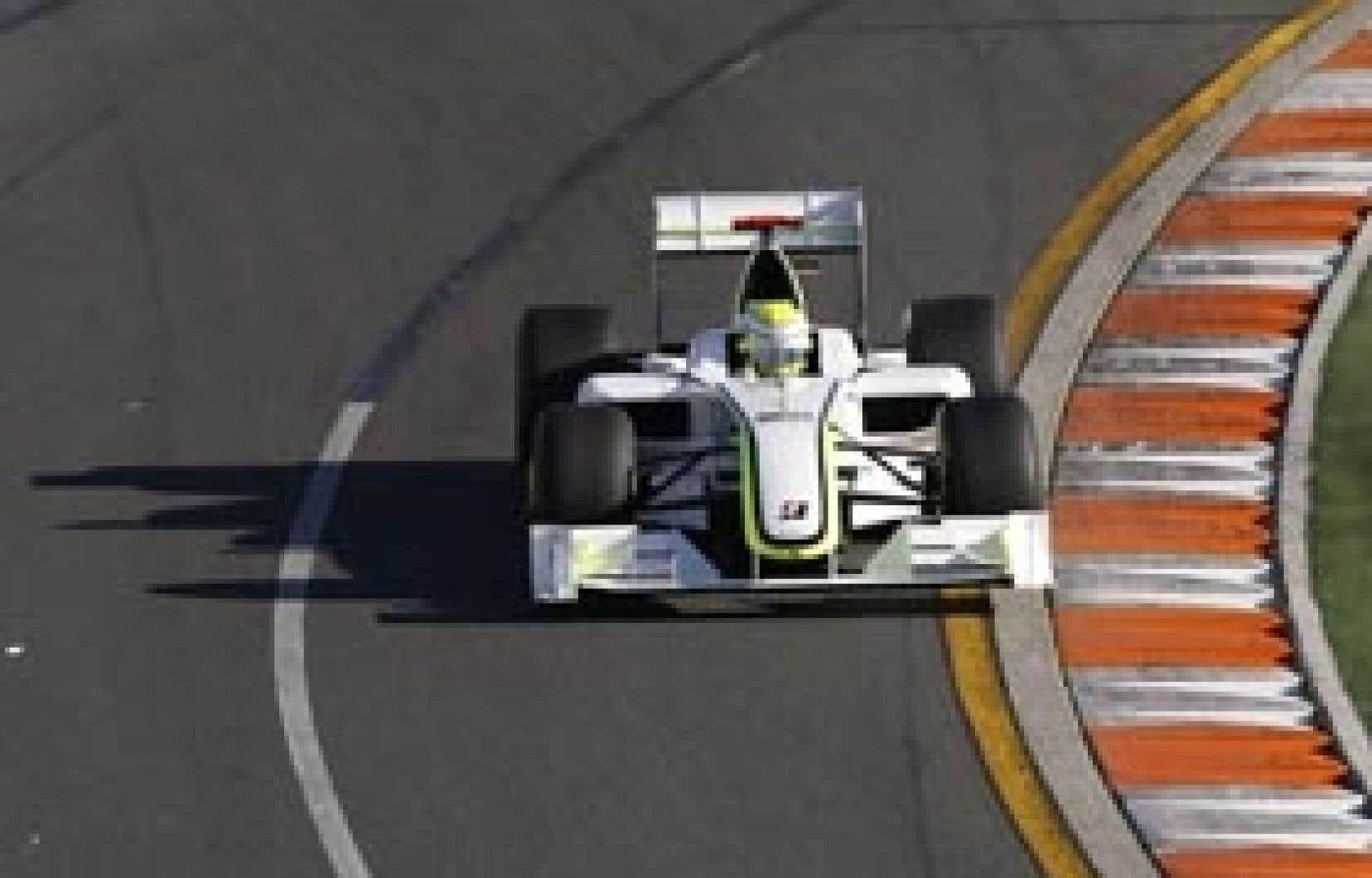 La cour d'appel de la FIA doit se pencher sur la légalité d'un diffuseur qui a aidé le Britannique Jenson Button à gagner les deux premières courses de la saison.