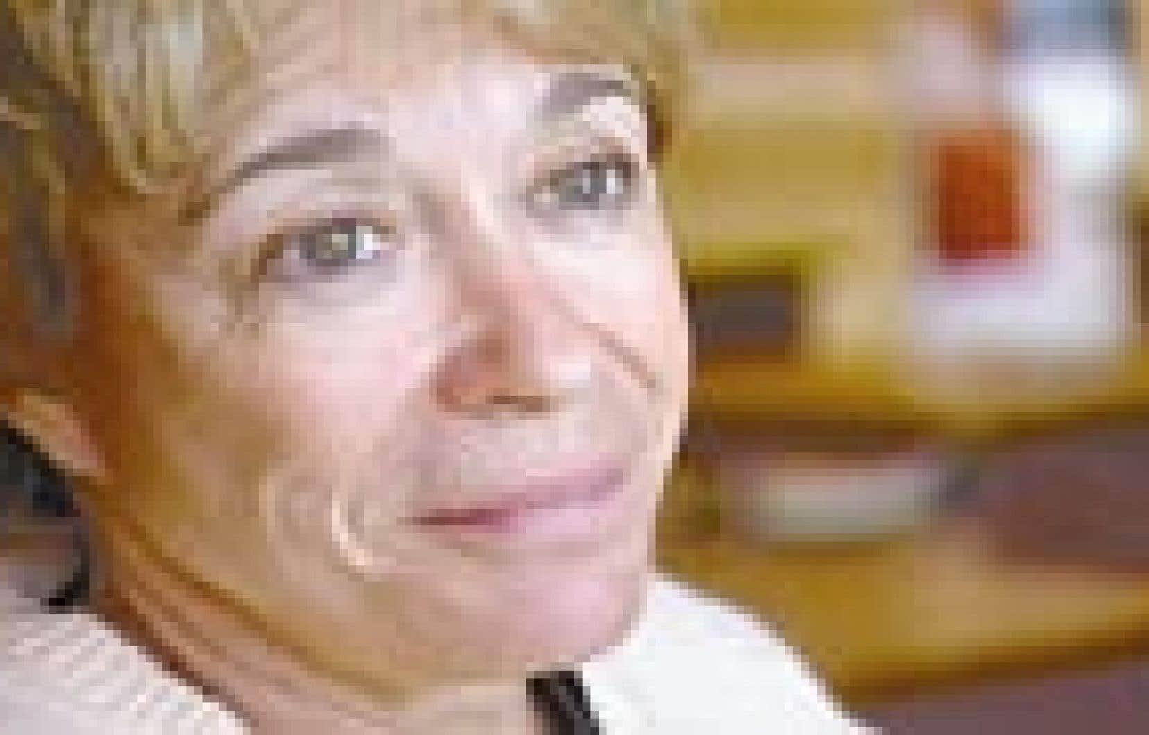 Tricia Dickson,Valerie Curtin Hot pics & movies Julie Benz,Mark Sheppard (born 1964)