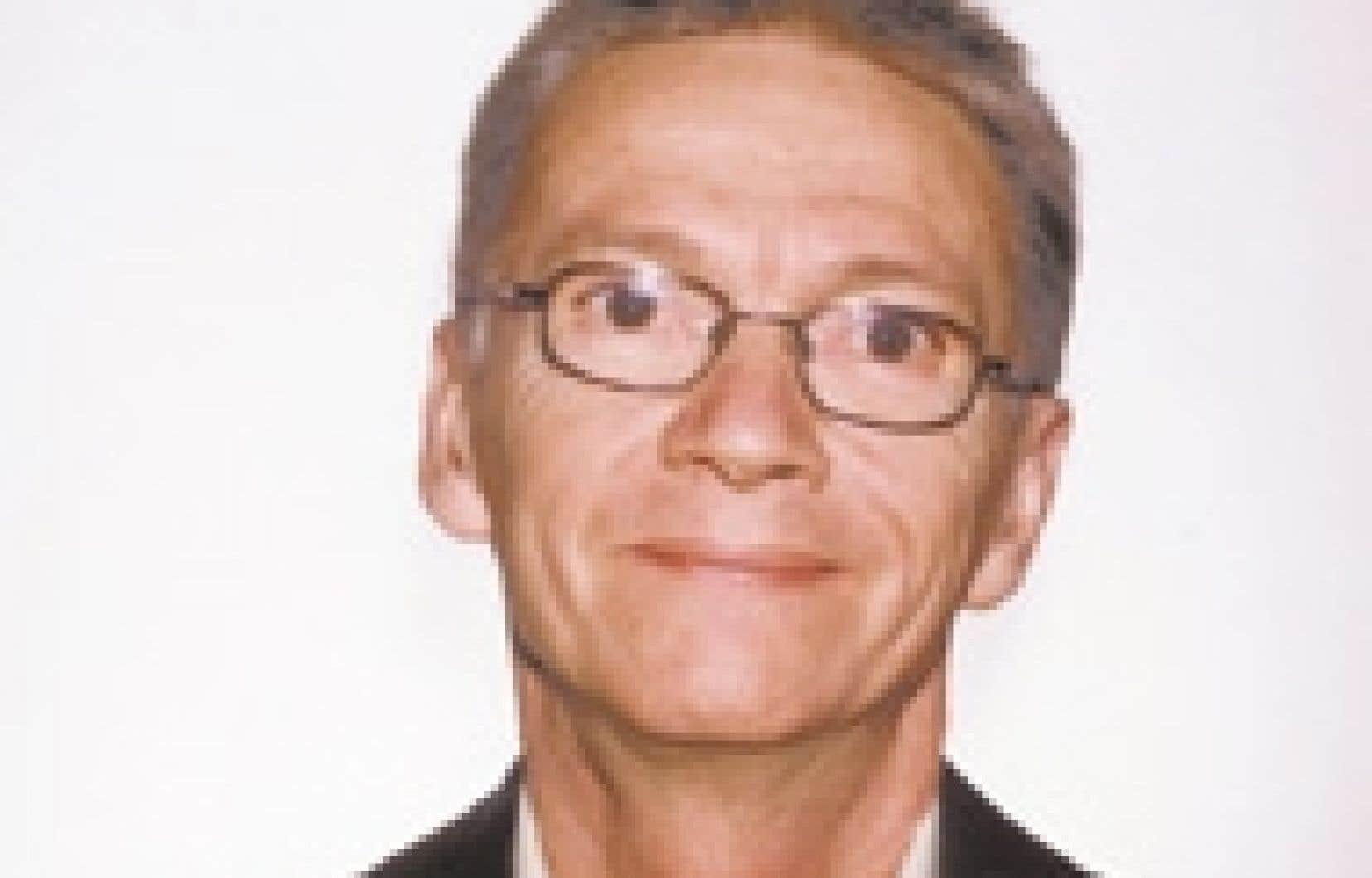 Pierre Després, professeur de philosophie au Collège Montmorency et président du Comité des enseignantes et enseignants de philosophie. Source Collège Montmorency.