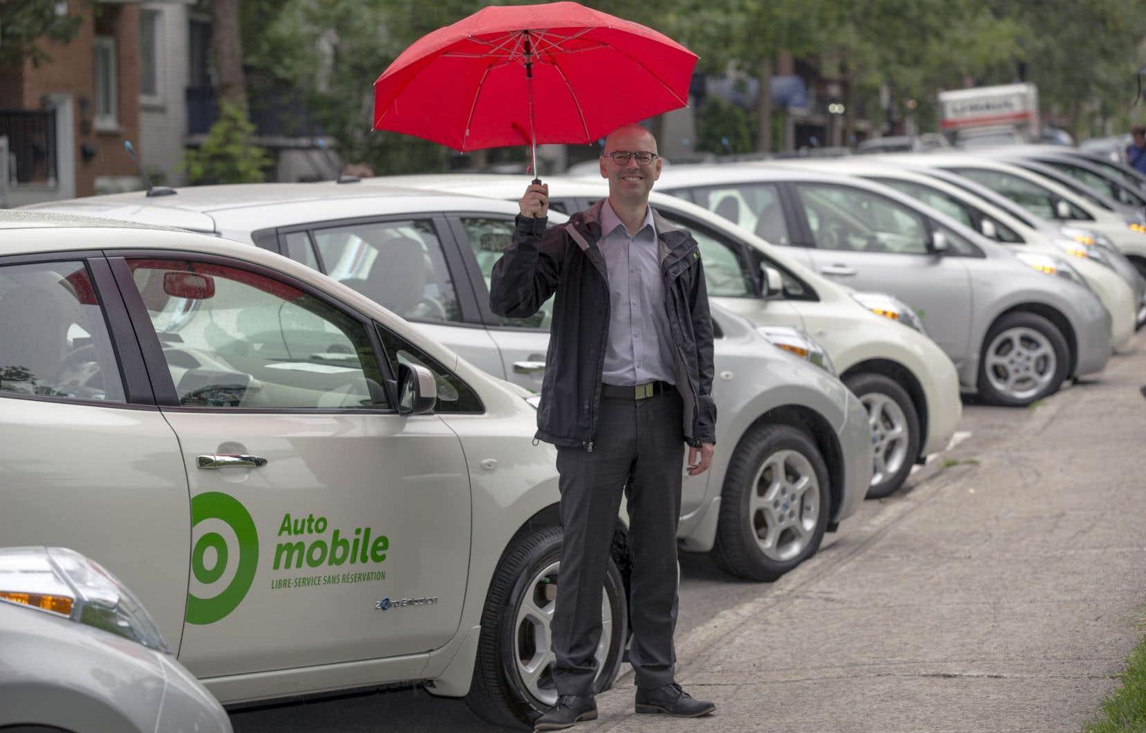 Le p.-d.g. de Communauto, Benoit Robert, a fait savoir lundi que l'entreprise ajouterait 150 véhicules hybrides et électriques à son service Auto-Mobile.