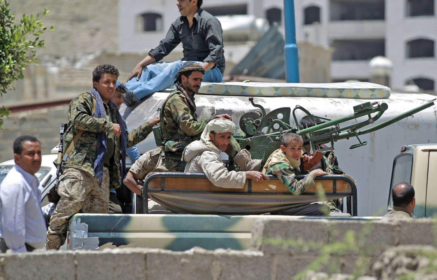 Les Houthis étaient encore présents mardi dans la région de Sanaa.