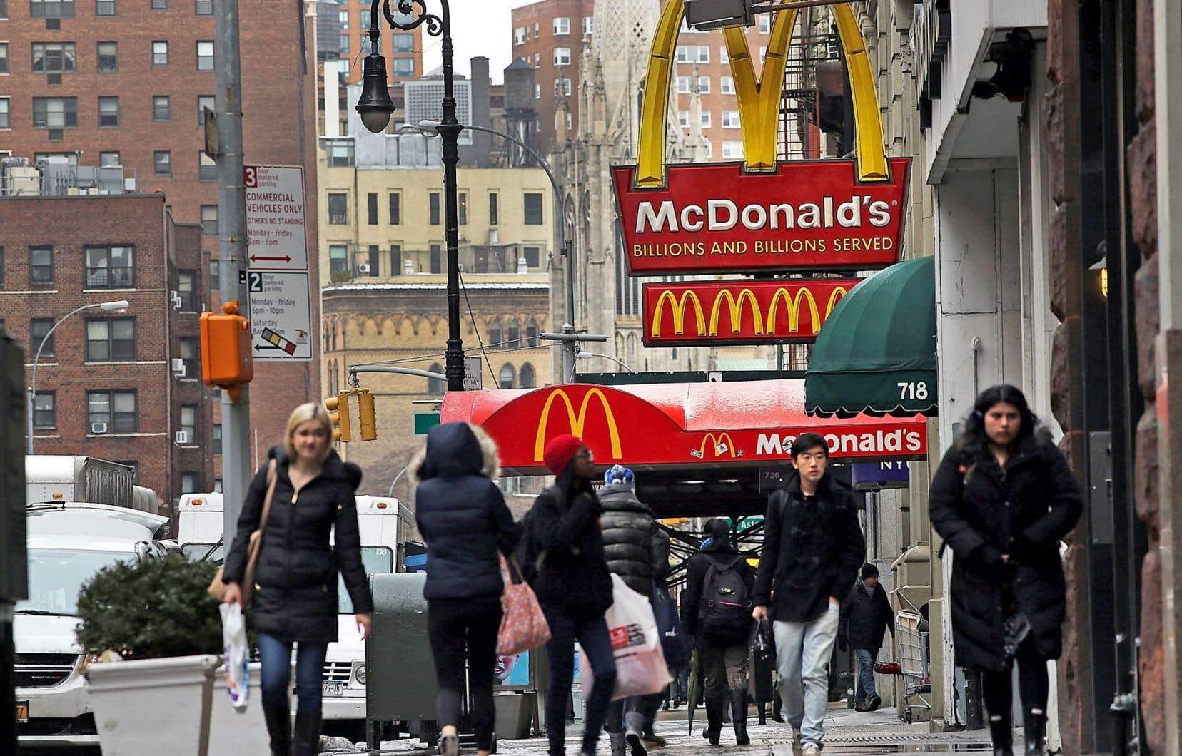 Les ventes, les revenus et les profits de McDonald's sont en recul.