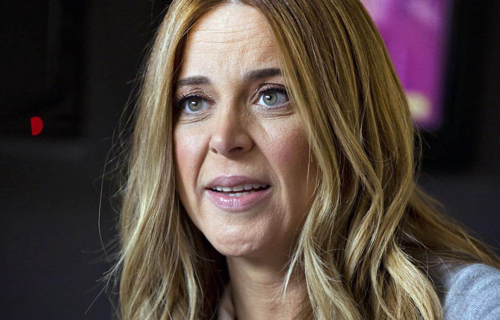 Julie Snyder est persuadée qu'on s'attaque à elle en raison de ses liens personnels avec Pierre Karl Péladeau.