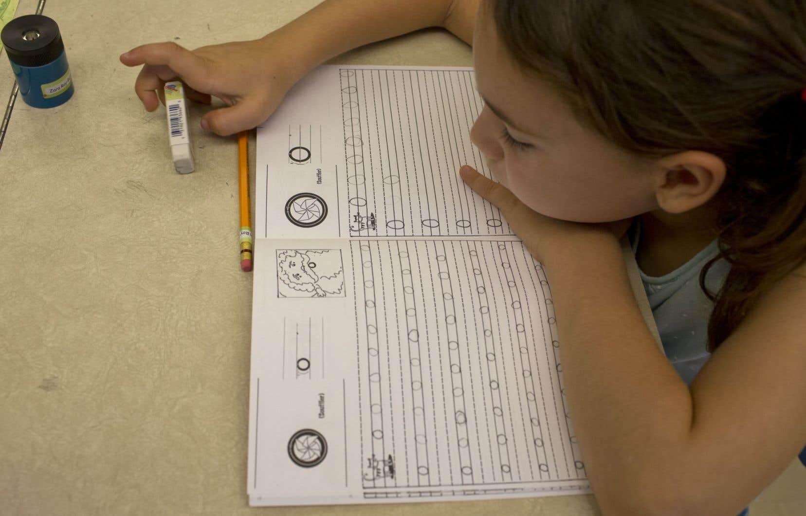 Le suivi que doivent assurer les commissions scolaires auprès des enfants qui sont scolarisés à domicile serait, au mieux, inadéquat, et au pire, complètement inexistant.