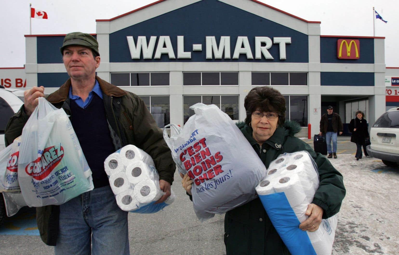 Best Buy, Costco Wholesale, Curves, Guess, Gap, Old Navy, Toys « R » Us et Walmart peuvent donc continuer à s'afficher en anglais seulement.