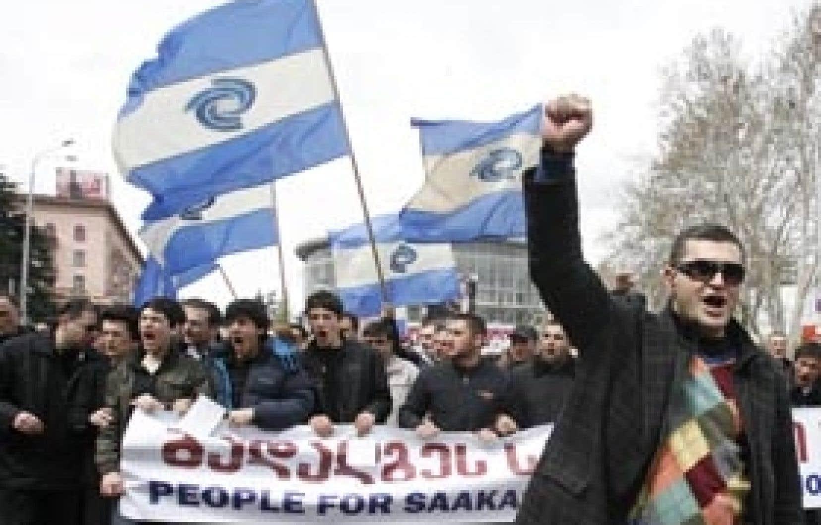 Plus de 50 000 Géorgiens ont manifesté hier à Tbilissi.