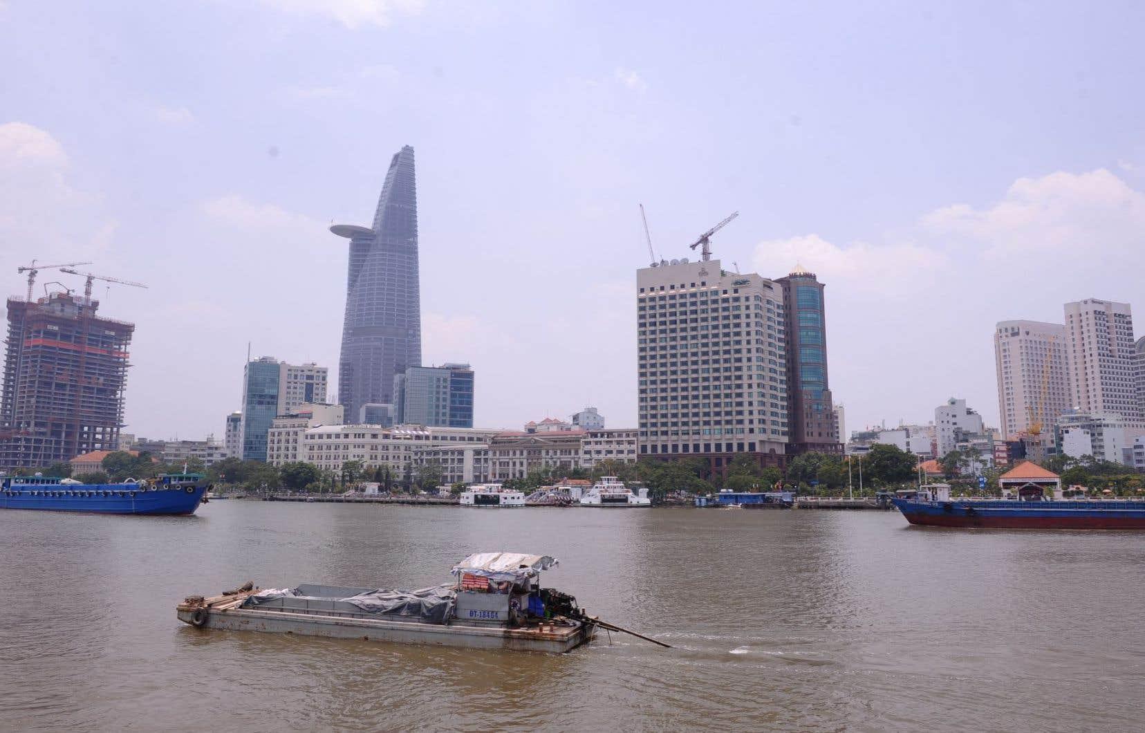 La capitale économique du Vietnam, Hô Chi Minh-Ville, a maintenant des allures de petit Shanghai.
