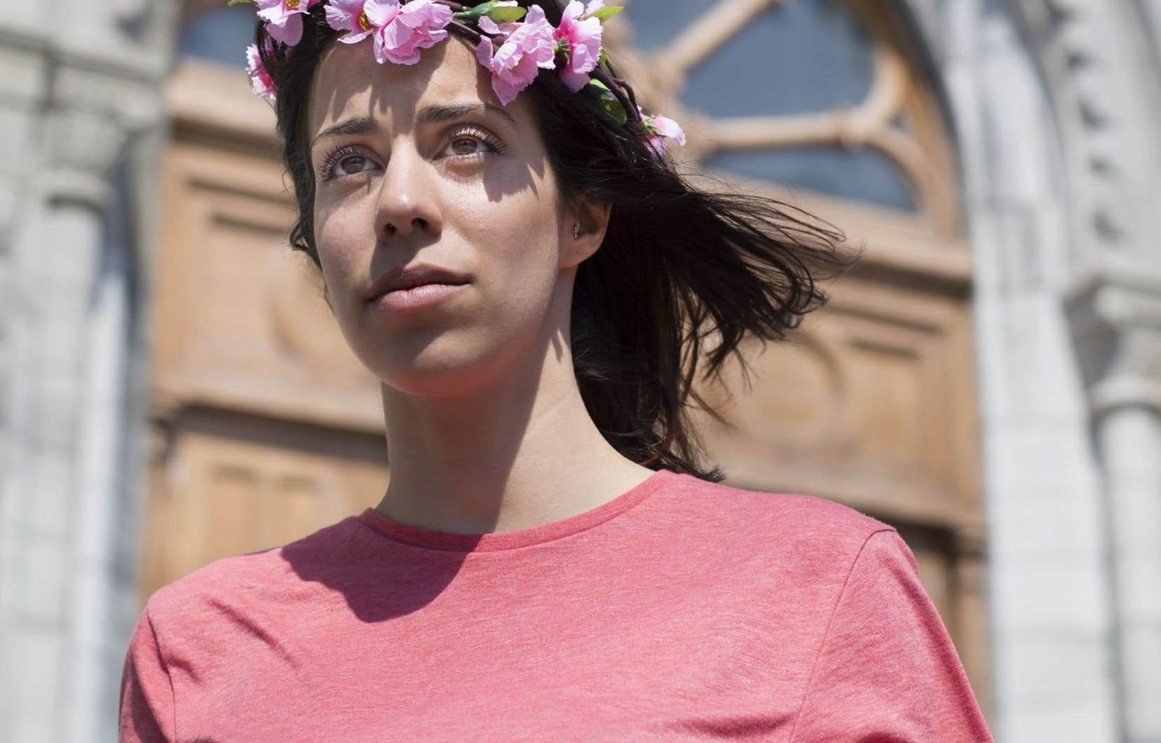 Neda Topaloski a lancé son propre corps dans l'arène, rejoignant il y a un an et demi Femen Canada.