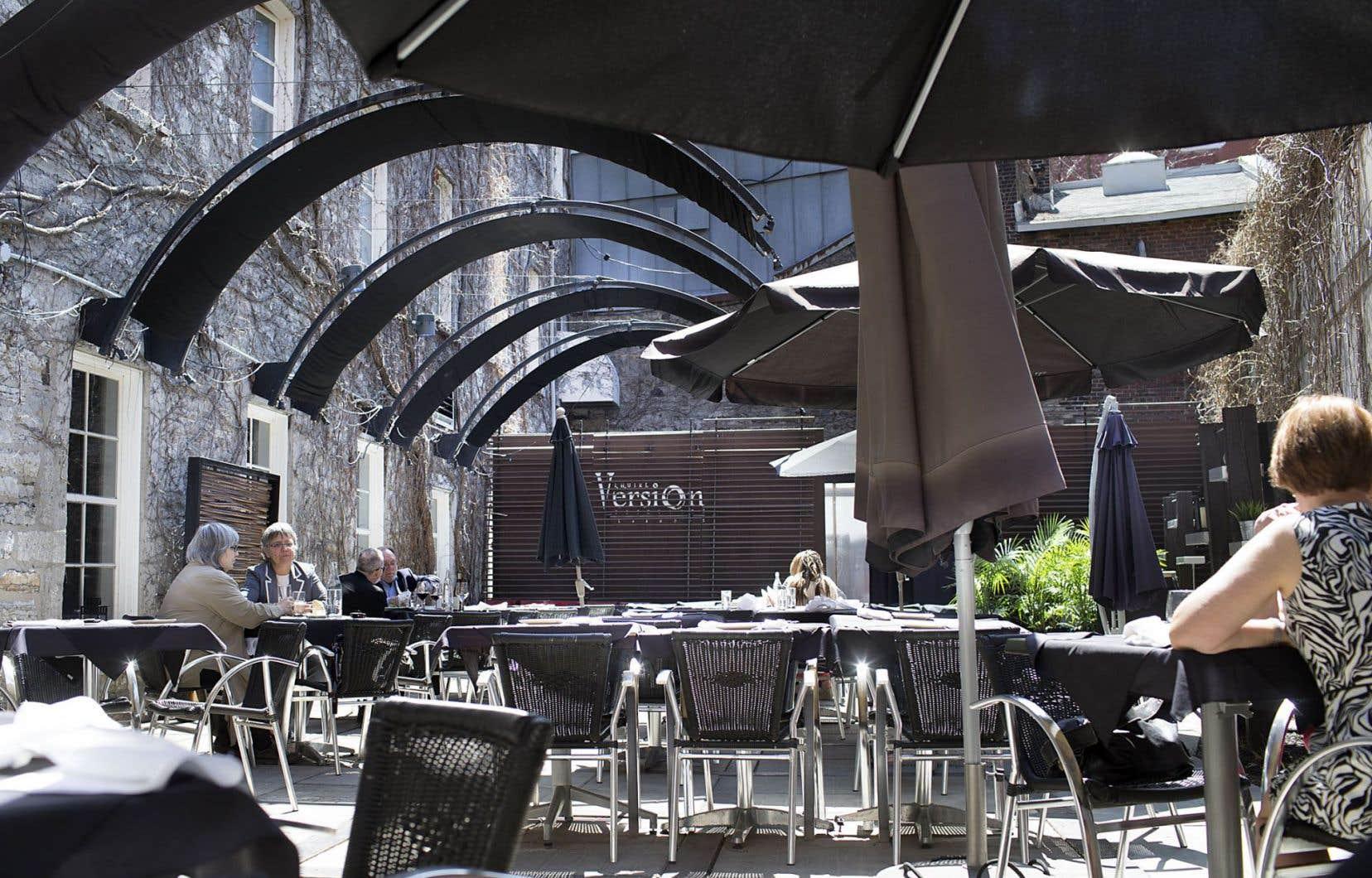 La terrasse de L'Autre Version, sorte de jardin intérieur qui connaîtra de grands moments lorsque les foules l'auront repérée.