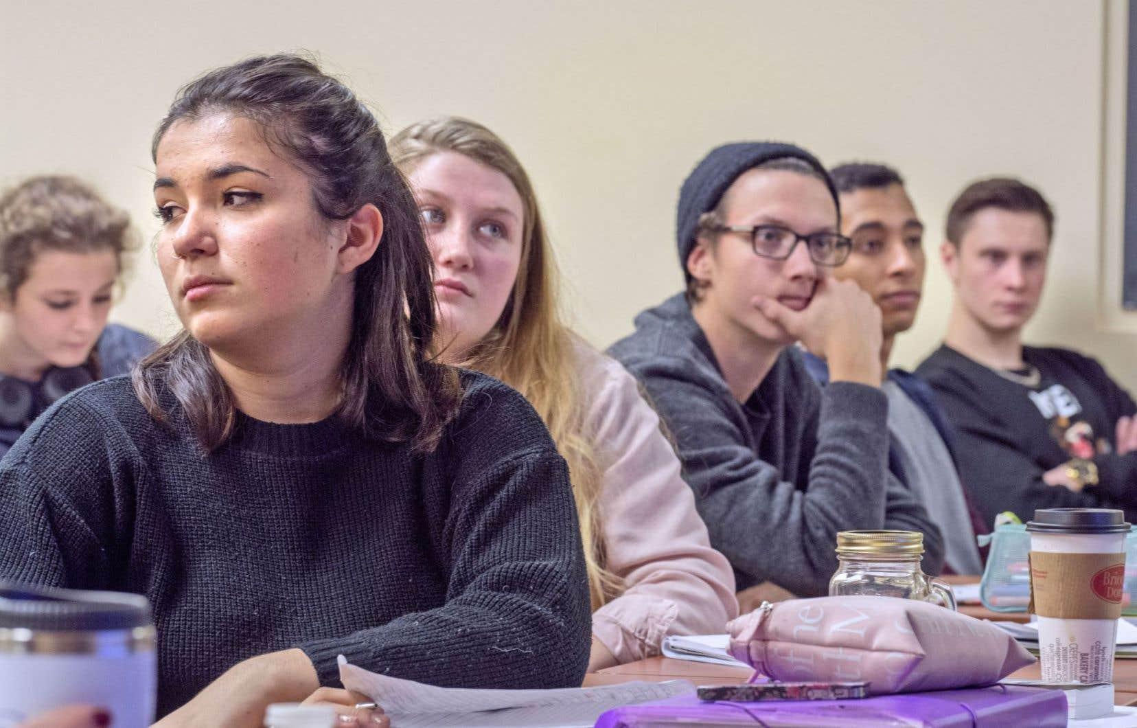 «L'éducation doit devenir le fondement d'une vraie social-démocratie moderne», écrivent les cinq cents jeunes signataires du texte.