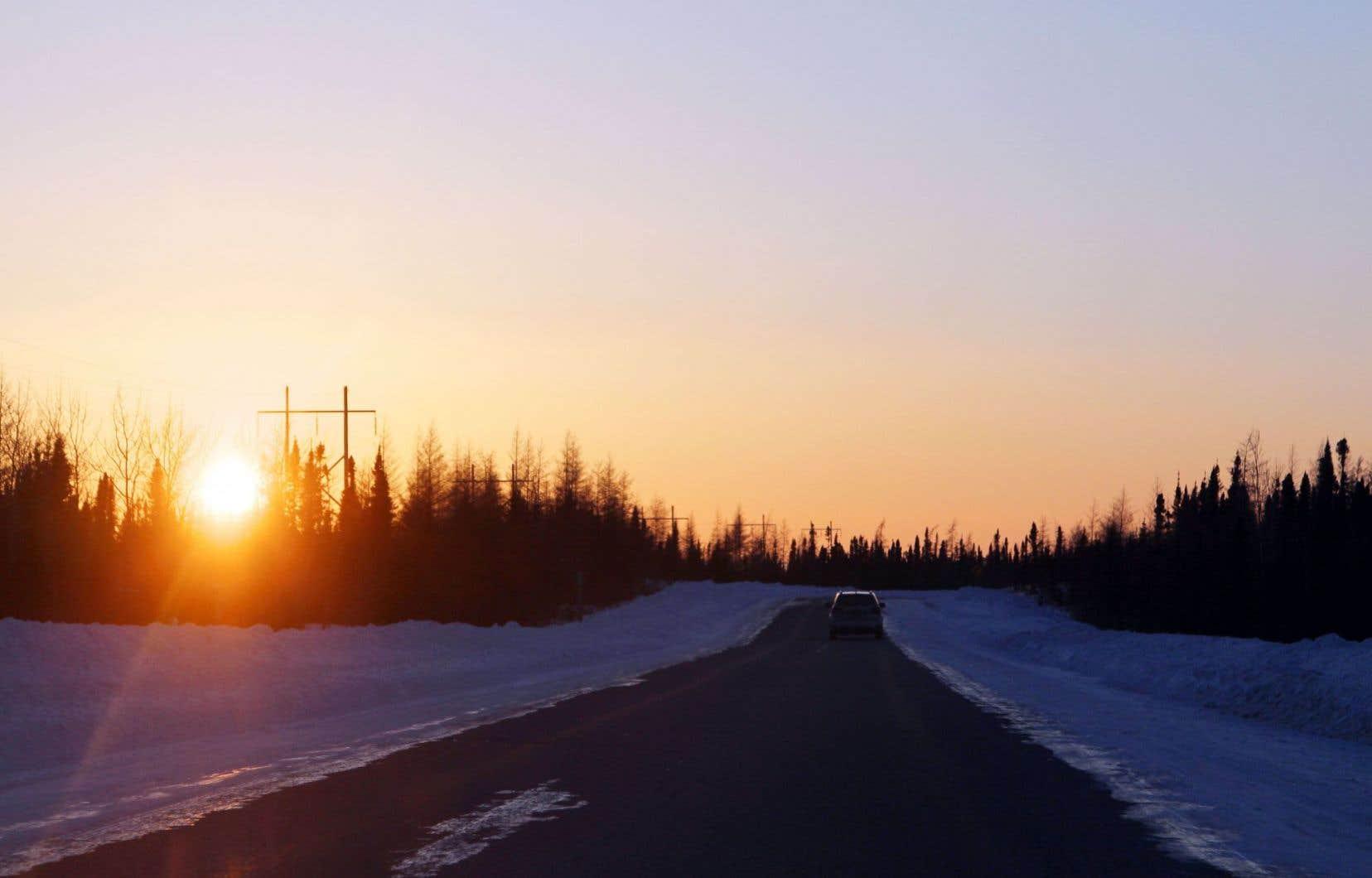 De Matagami à Radisson, sur plus de 600 kilomètres, la route de la Baie-James s'étale dans toute sa splendeur dans le nord du Québec.