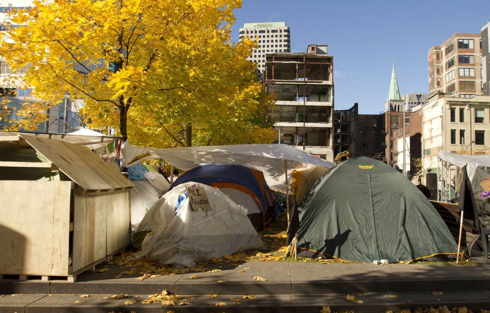 Un camp similaire avait été installé il y a quelques années, Occupons Montréal, au Square Victoria.