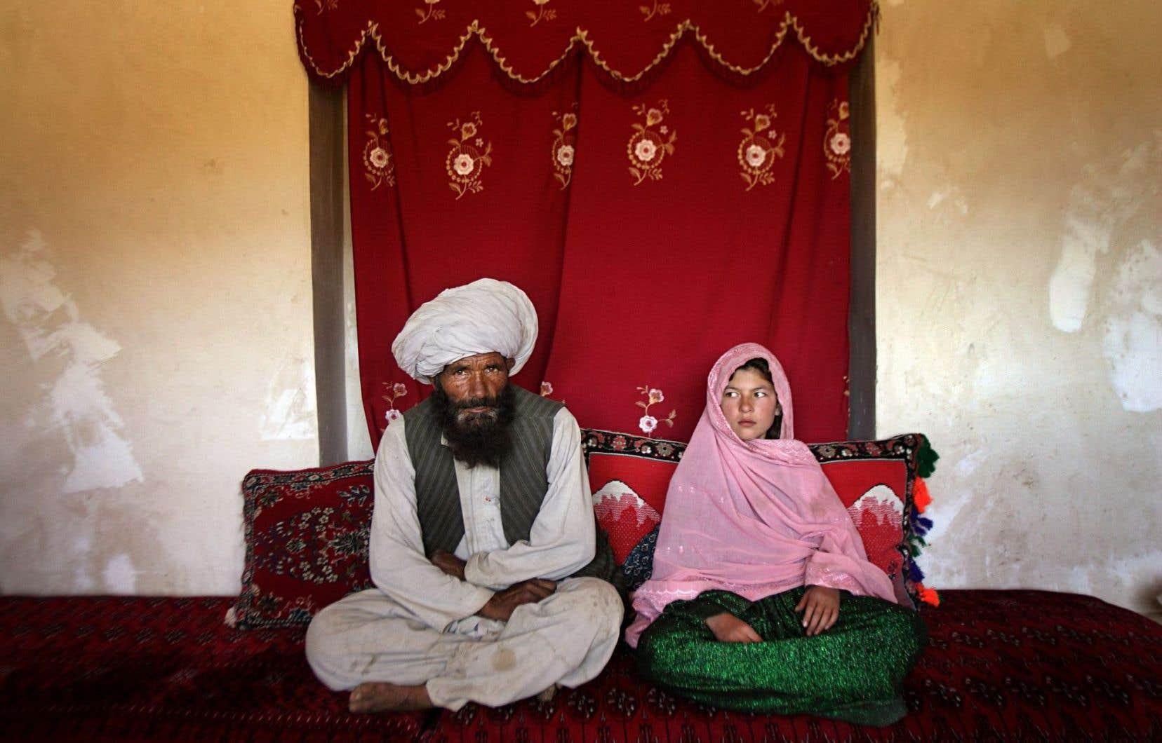 Faiz Mohammed, 40 ans, a épousé Ghulam Haider, 11 ans, en Afghanistan