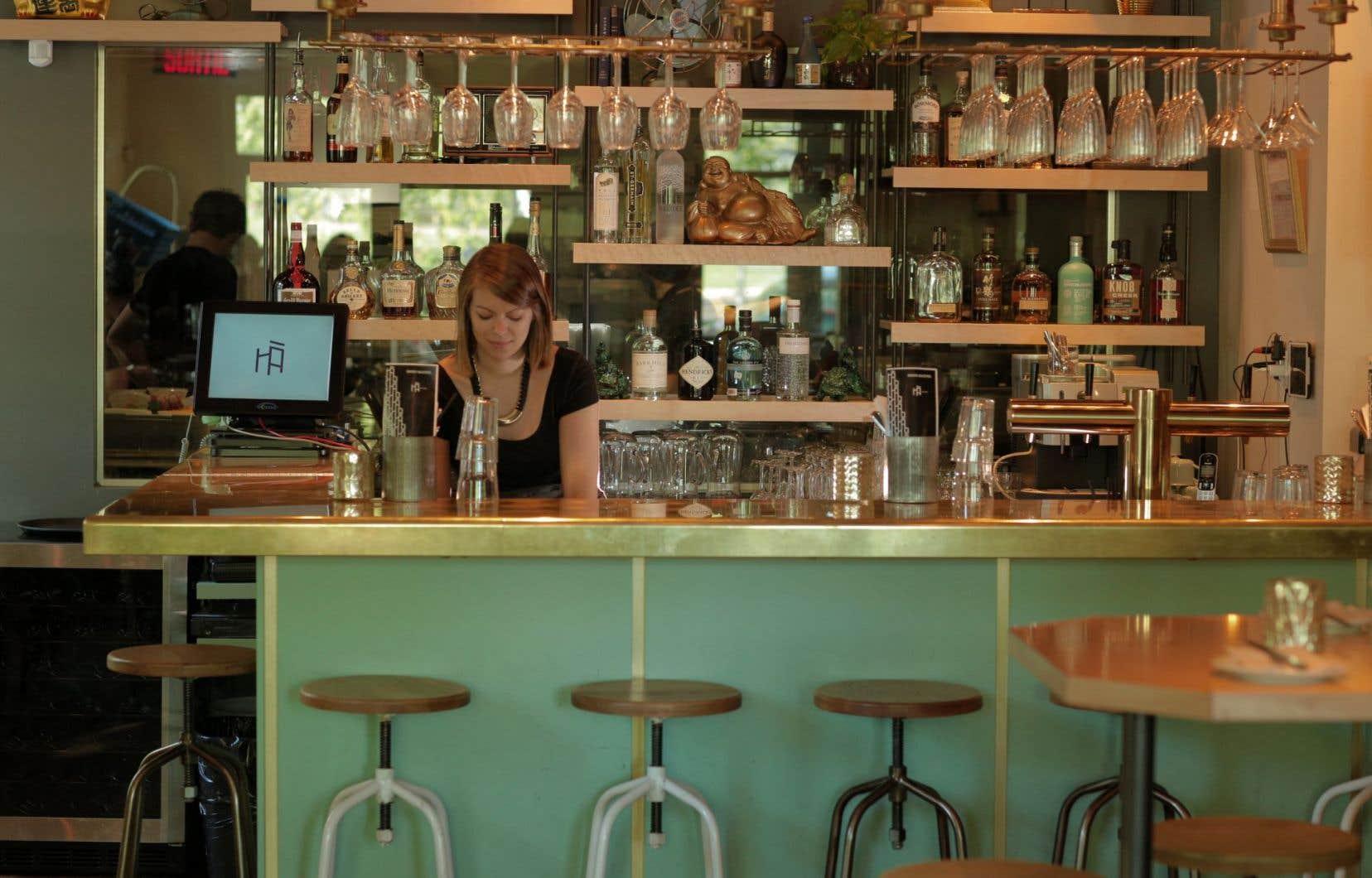 Le restaurant Hà a pris la suite de Souvenirs d'Indochine, avenue du Mont-Royal, à Montréal.