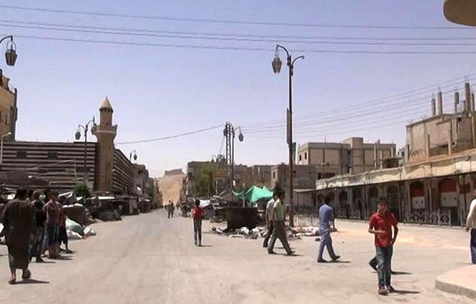 Une image tirée d'une vidéo des djihadistes montrerait des gens dans la ville de Palmyre.