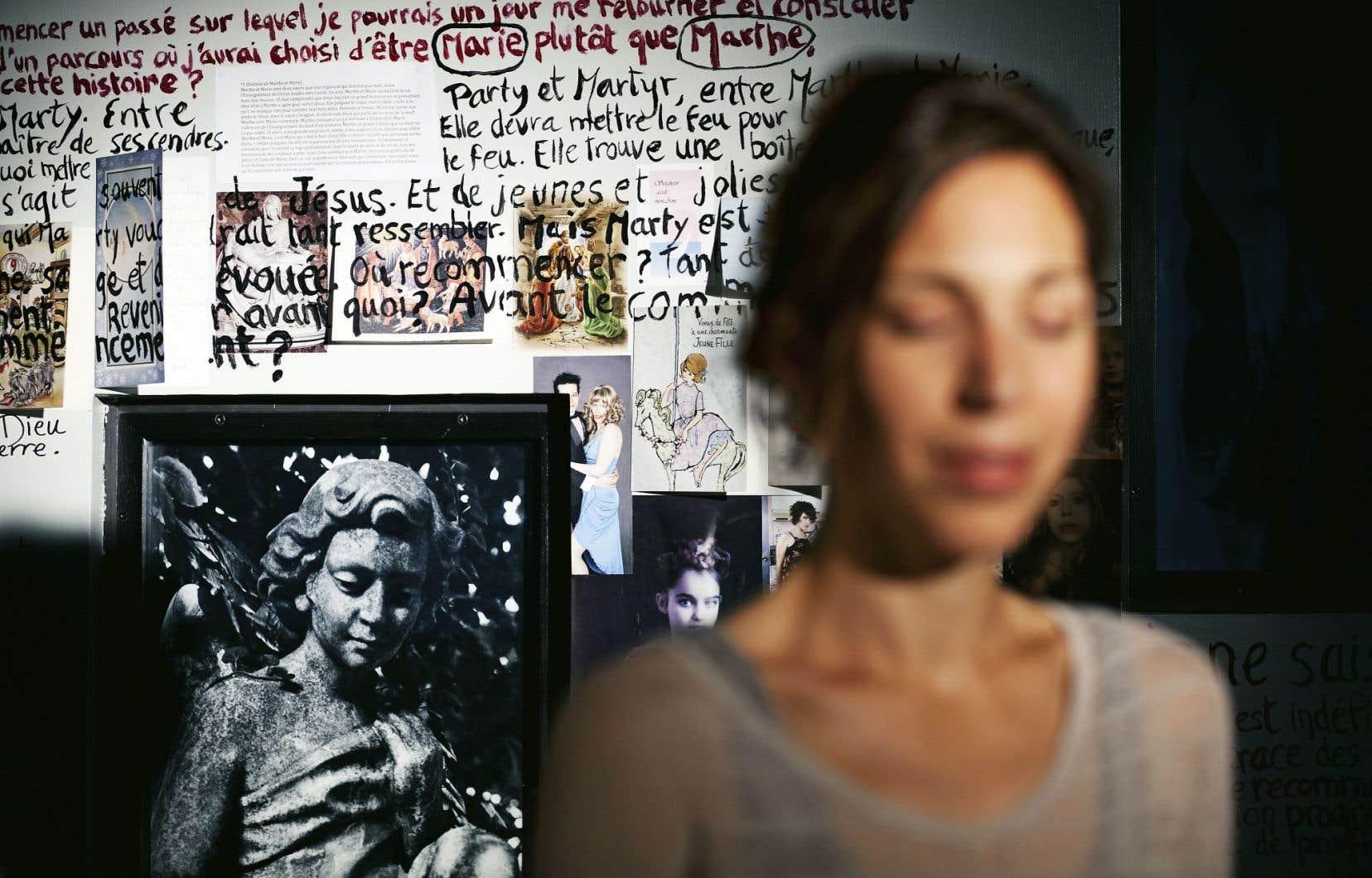 «Mur Mur (e)», produit par l'Espace Go sur un texte d'Evelyne de la Chenelière et une mise en lecture de Daniel Canty.