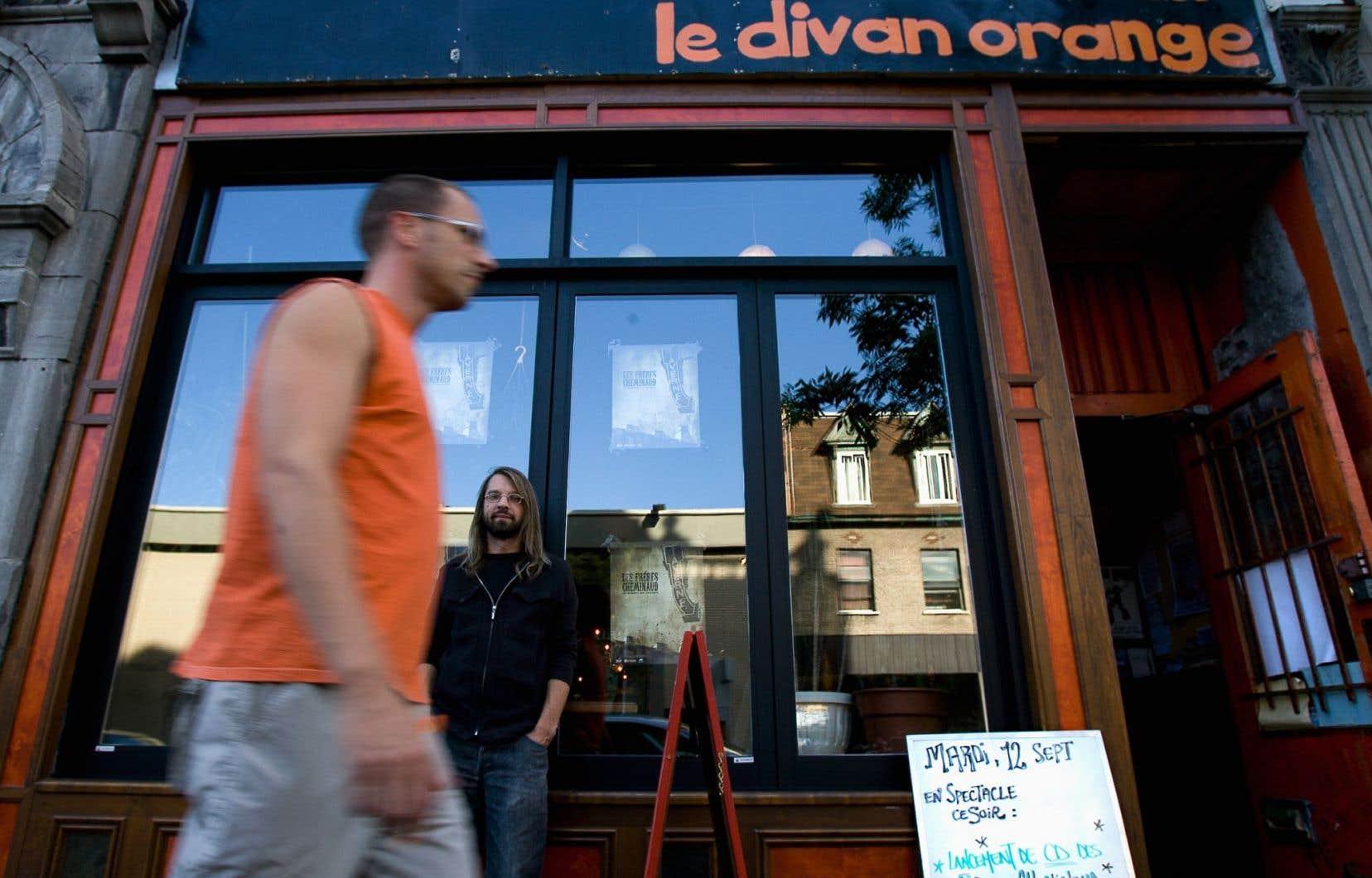 Depuis plusieurs mois, le Divan Orange est embourbé dans un différend judiciaire avec la locataire du troisième étage.