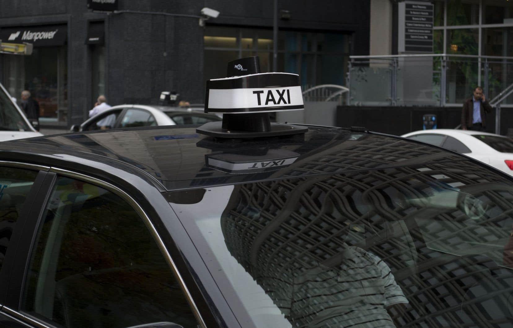 Devant la concurrence féroce d'Uber, l'industrie du taxi montréalaise veut se servir de ses statistiques pour améliorer son service.