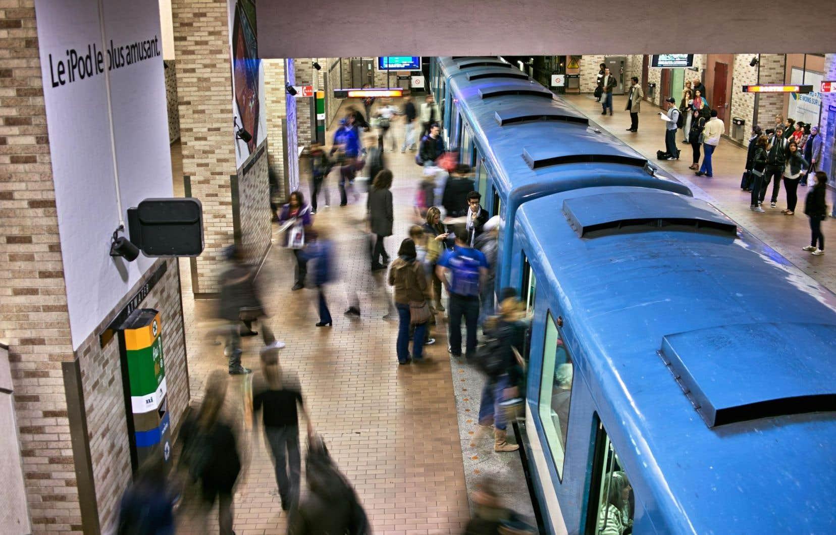 Le temps de parcours Anjou–Saint-Michel s'élèverait en outre à 8 minutes dans le cas du métro, mais à 23 minutes pour toutes les autres options, alors qu'il en faut actuellement 31 pour se rendre d'un bout à l'autre du trajet.