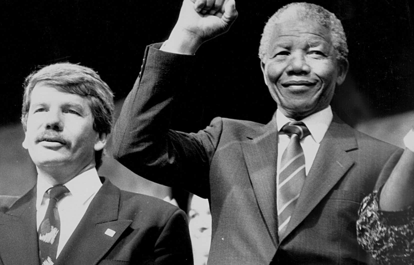 Jean Doré avec Nelson Mandela en 1990, lors de la première visite de ce dernier à Montréal, après sa libération