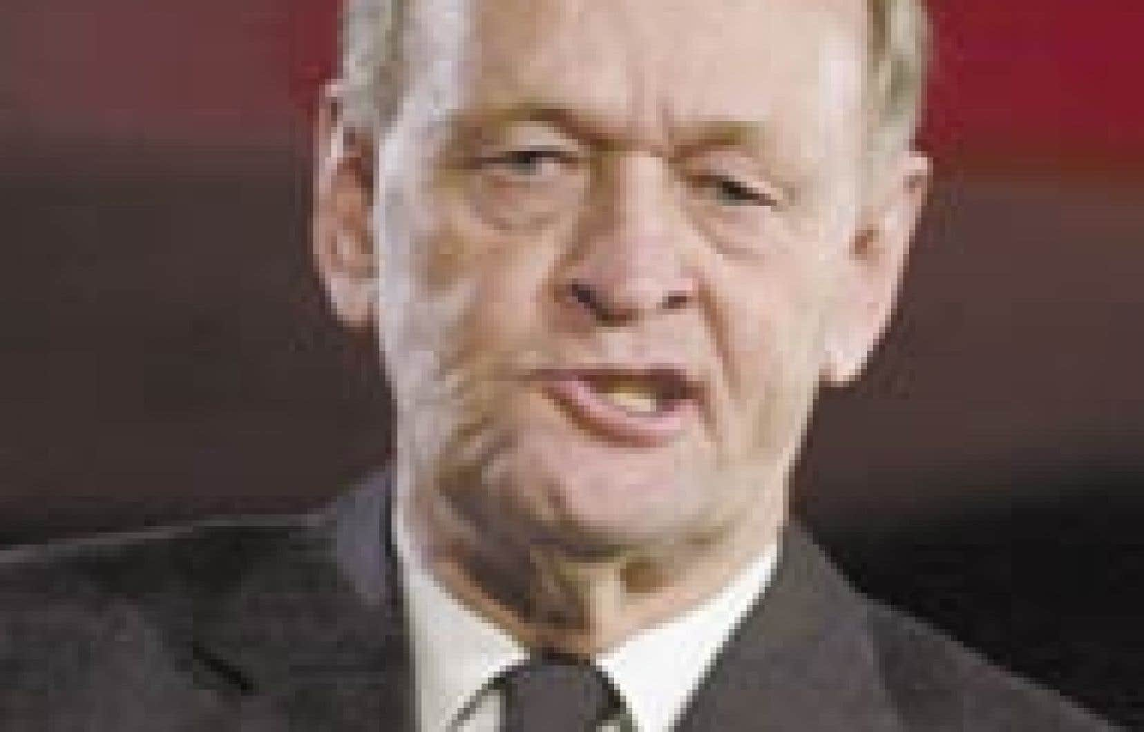 M. Chrétien livrait son dernier discours à l'aile québécoise de son parti, lui qui tirera sa révérence politique en février 2004. Un discours empreint de nostalgie et placé sous le signe du bilan. «Aujourd'hui, c'est certainement mon derni