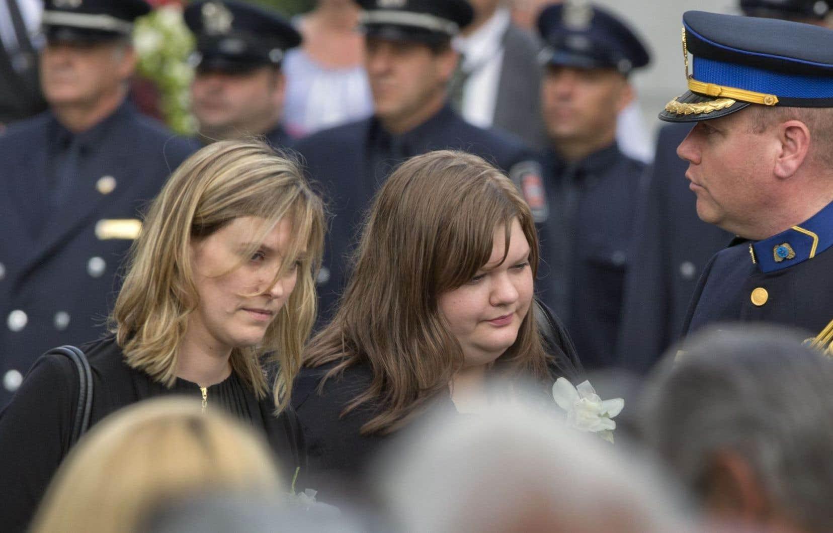 Les deux filles de Jean Doré, Amélie et Magali, ont rendu un vibrant hommage à leur père.