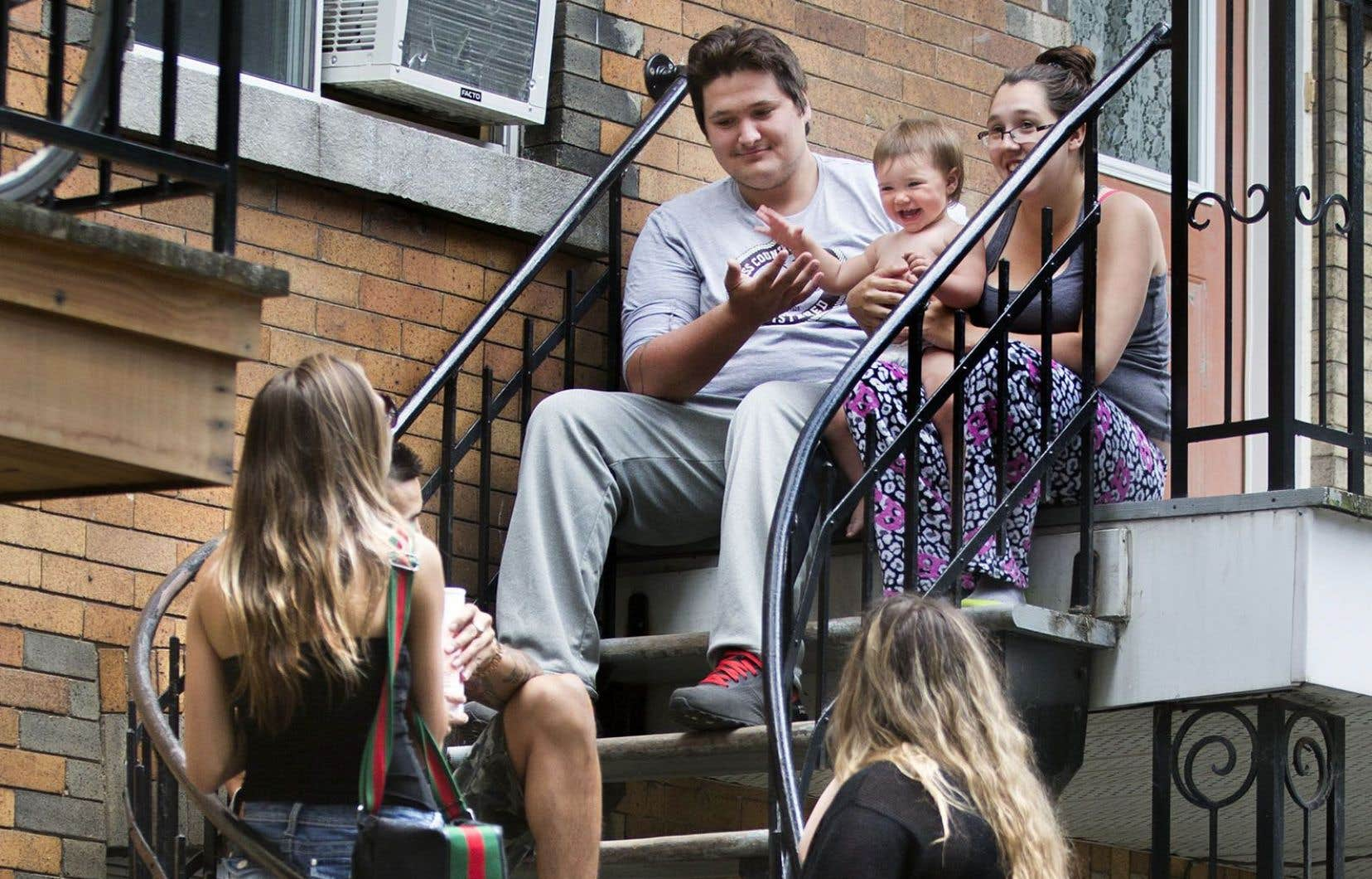 Entre 1976 et 2011, les familles de trois personnes ont augmenté, de 24 % à presque 31 %, et celles de 4 personnes de 37 % à 43 %.