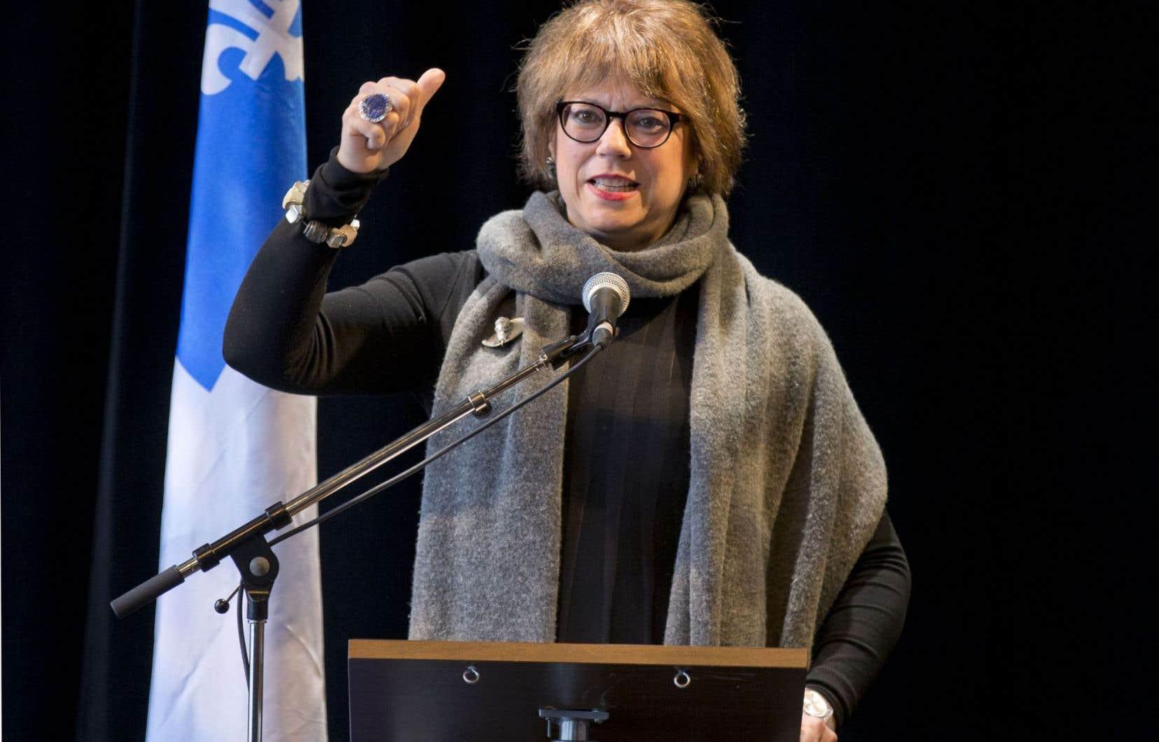 La ministre Hélène David