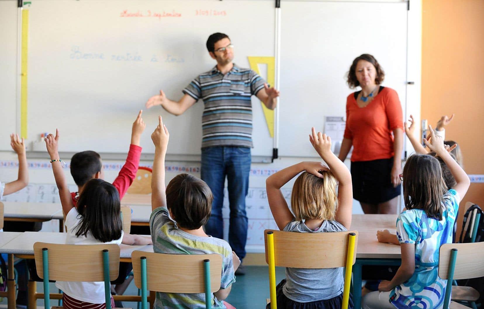 La Cour suprême a jugé que les francophones ont droit à une école aussi convenable que les écoles anglophones dans une même zone de fréquentation.